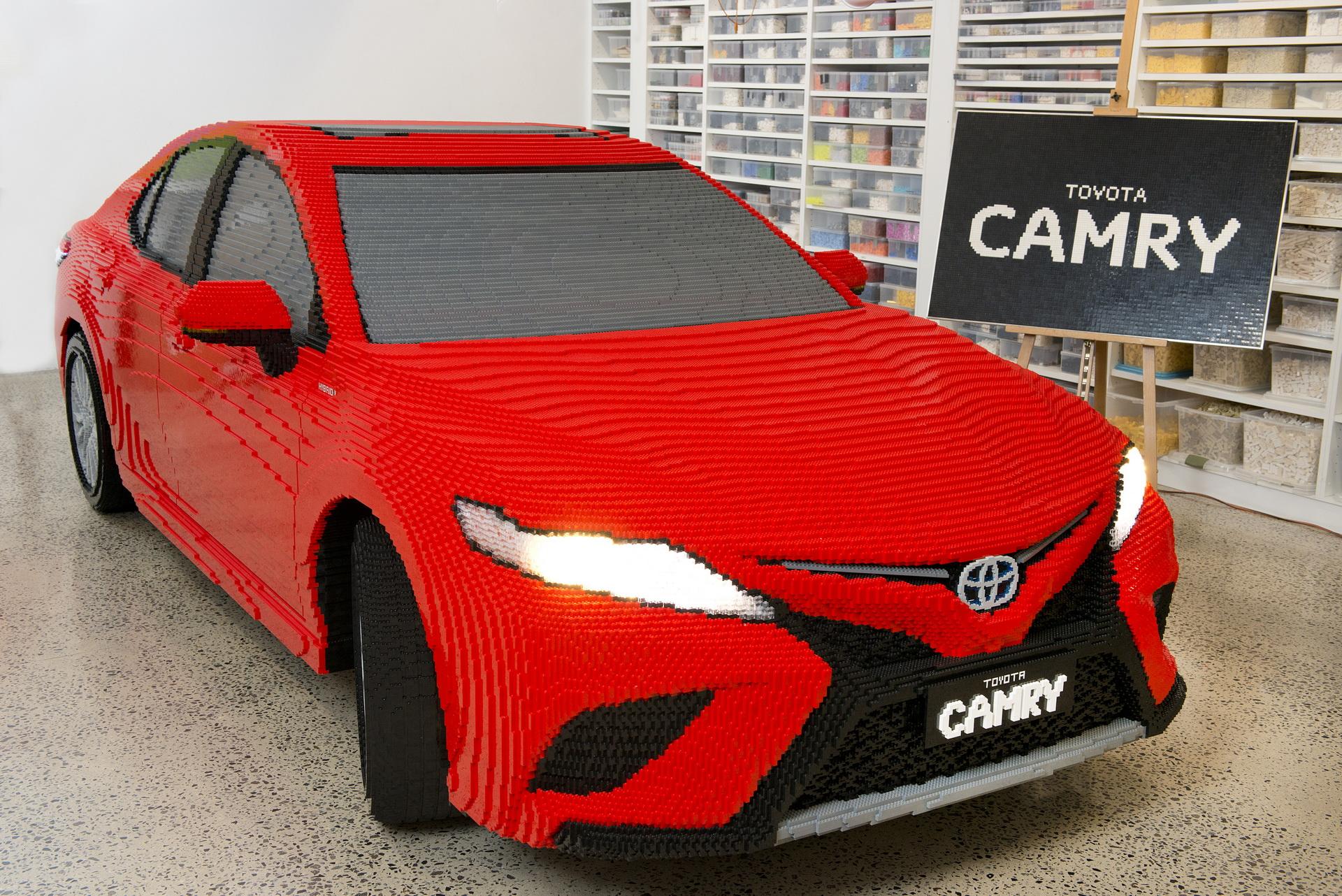 Lego Toyota Camry (1)