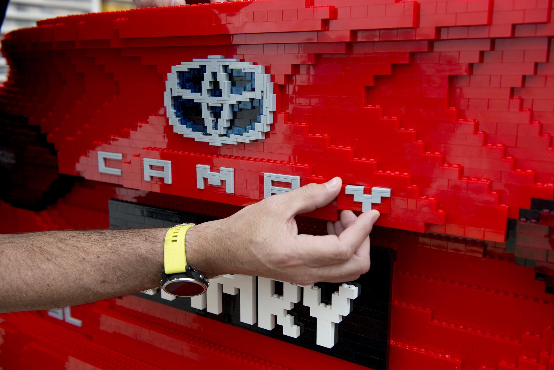 Lego Toyota Camry (5)