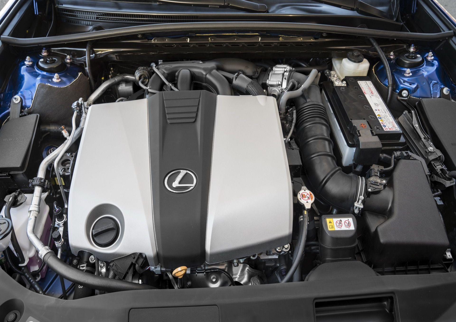 2019-Lexus-ES-10