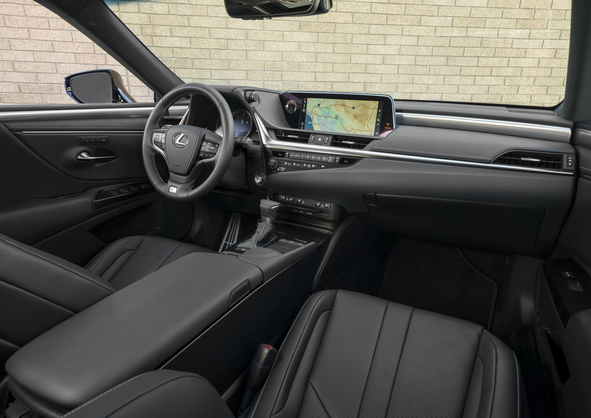 2019-Lexus-ES-16