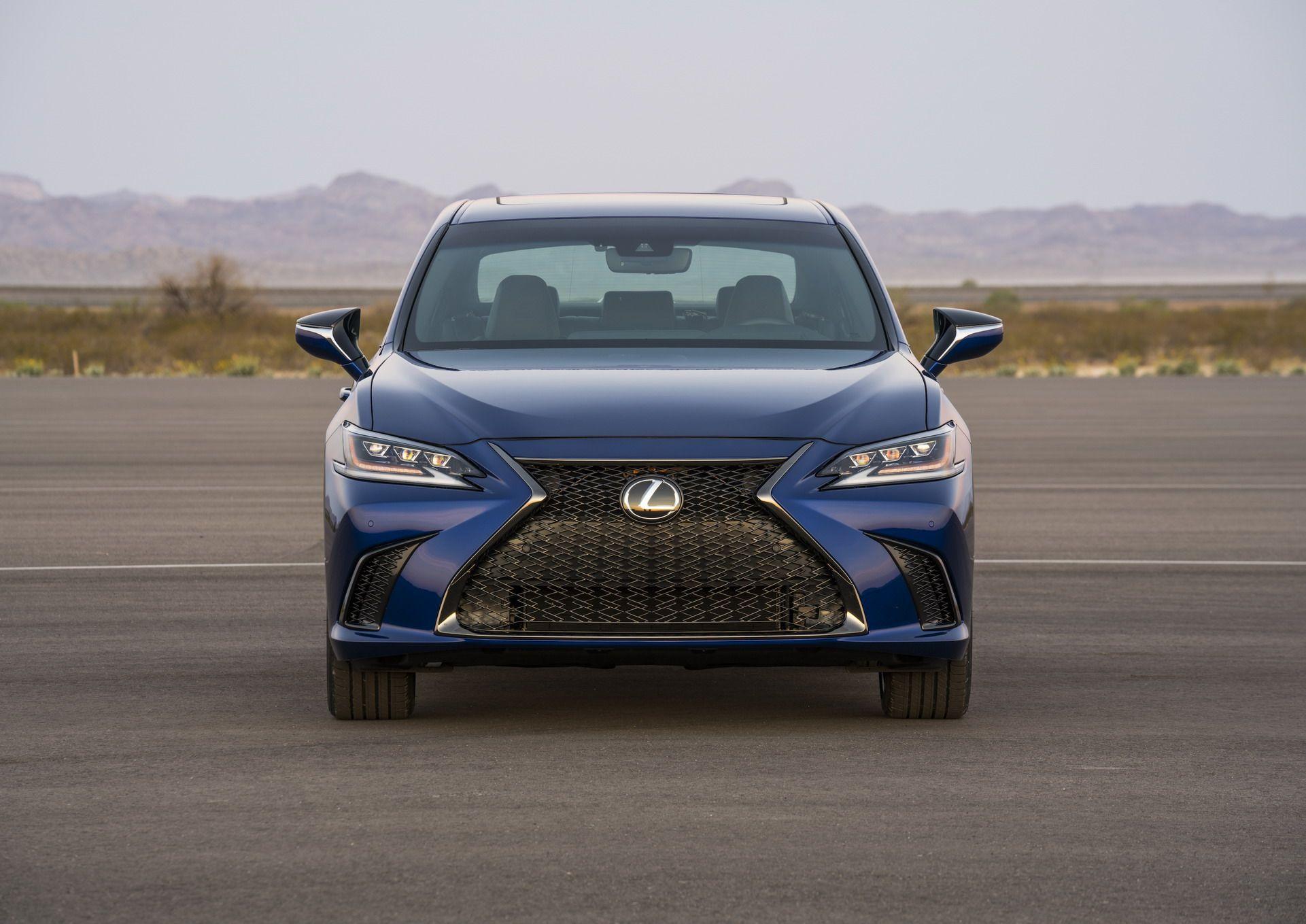 2019-Lexus-ES-18