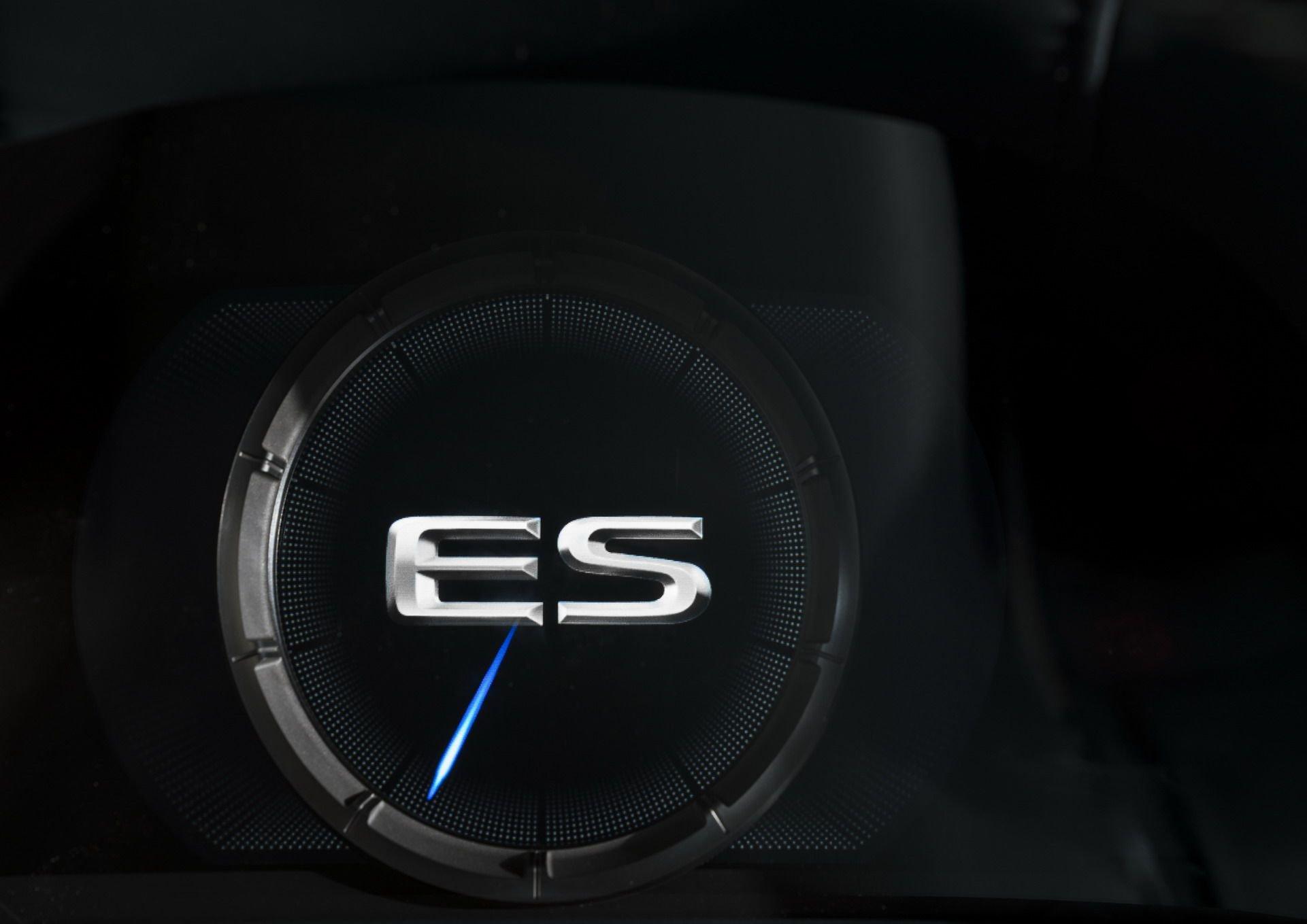 2019-Lexus-ES-21