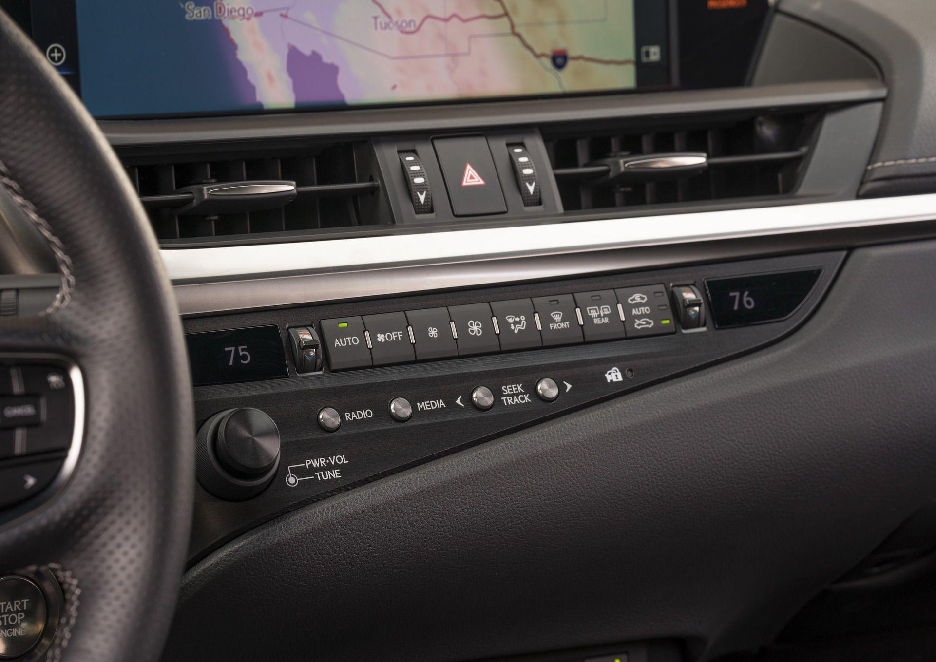 2019-Lexus-ES-5-1