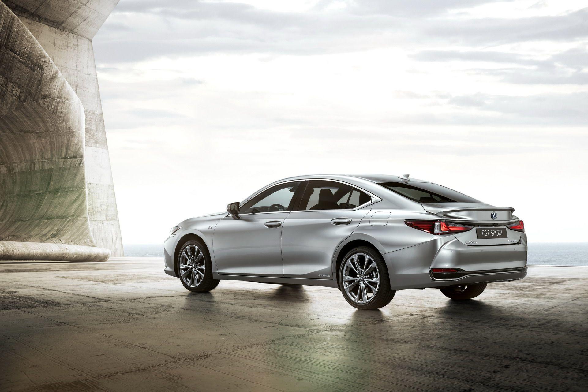 2019-Lexus-ES-EU10