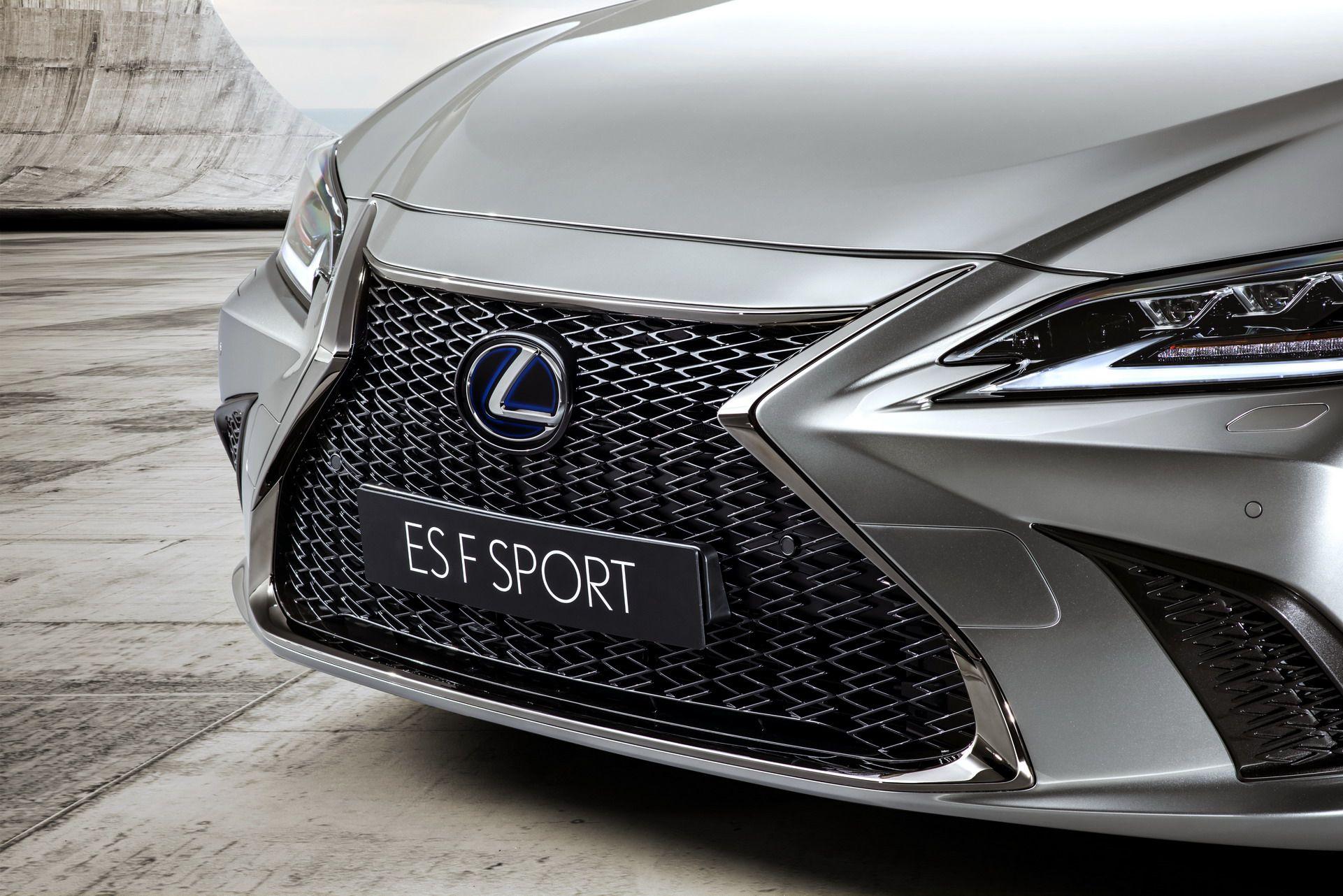 2019-Lexus-ES-EU15