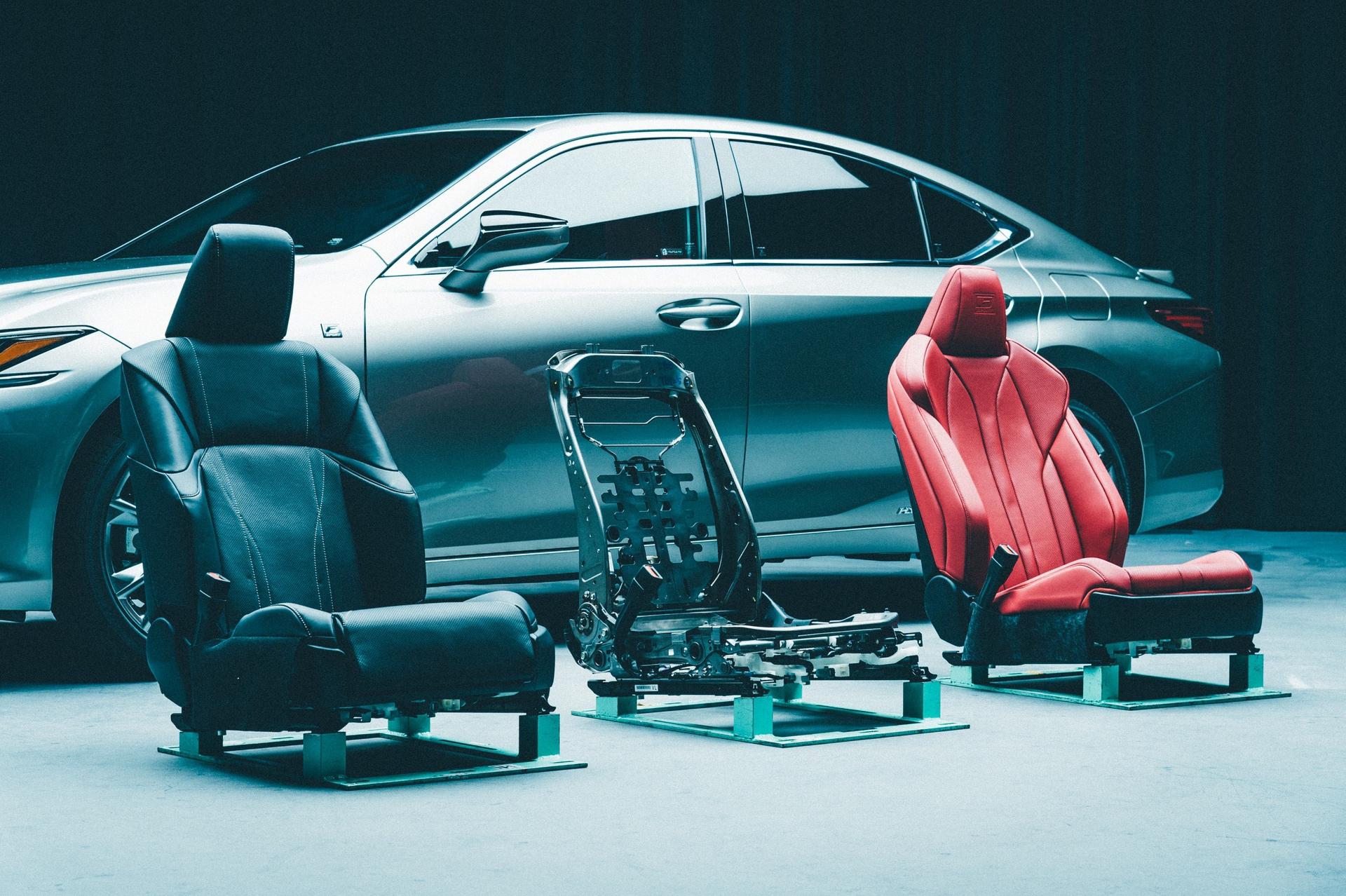 Lexus_ES_seats_0001