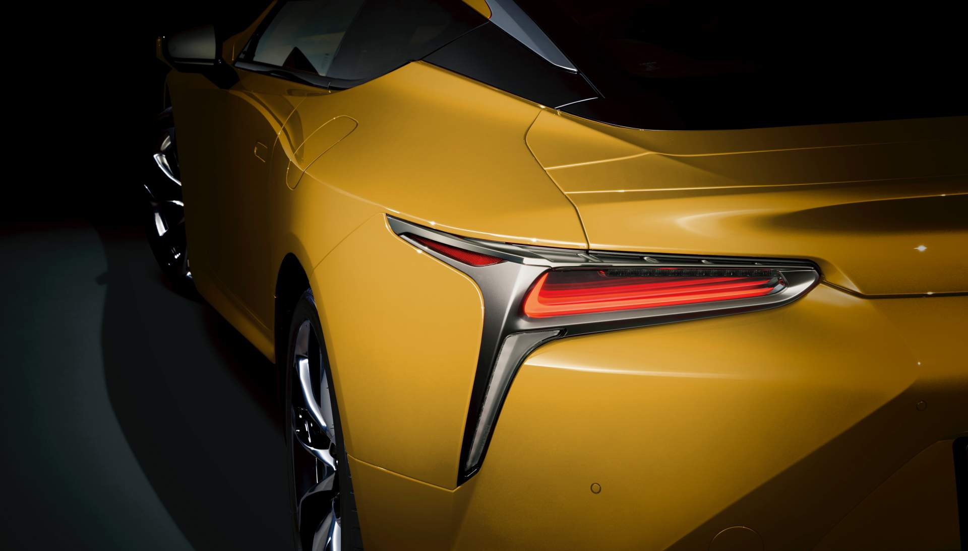 Lexus_LC_Luster_Yellow_0002