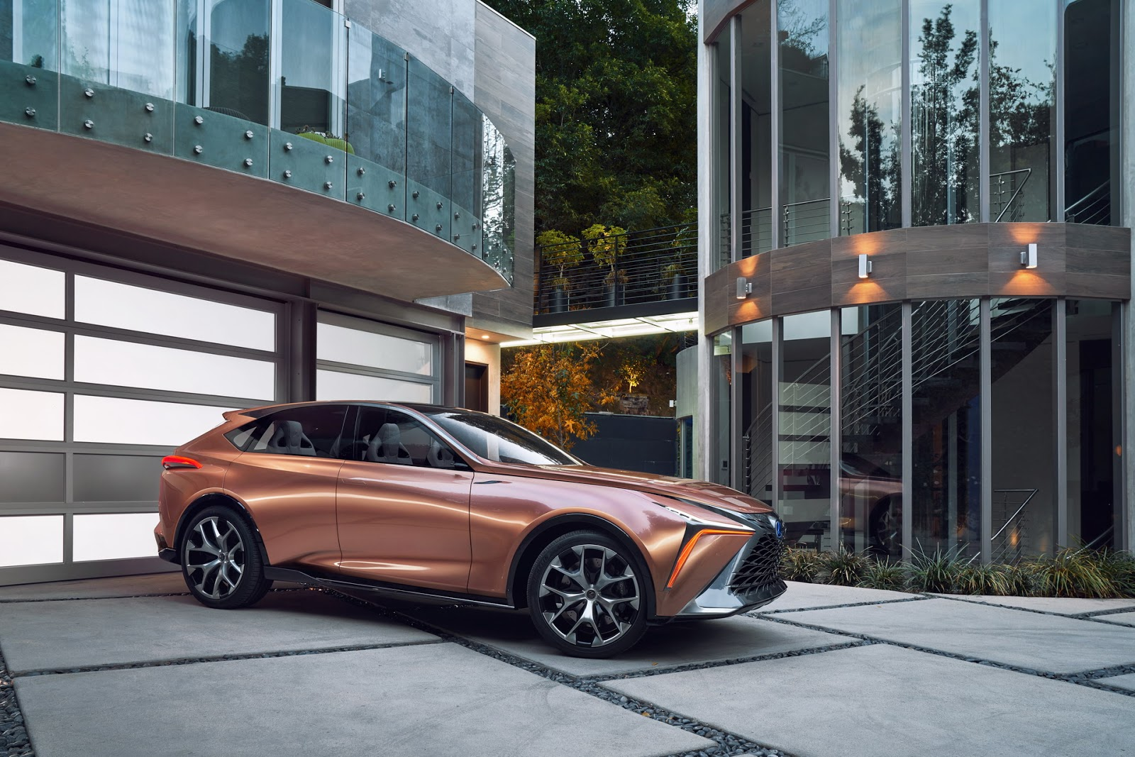 Lexus-LF1-L253