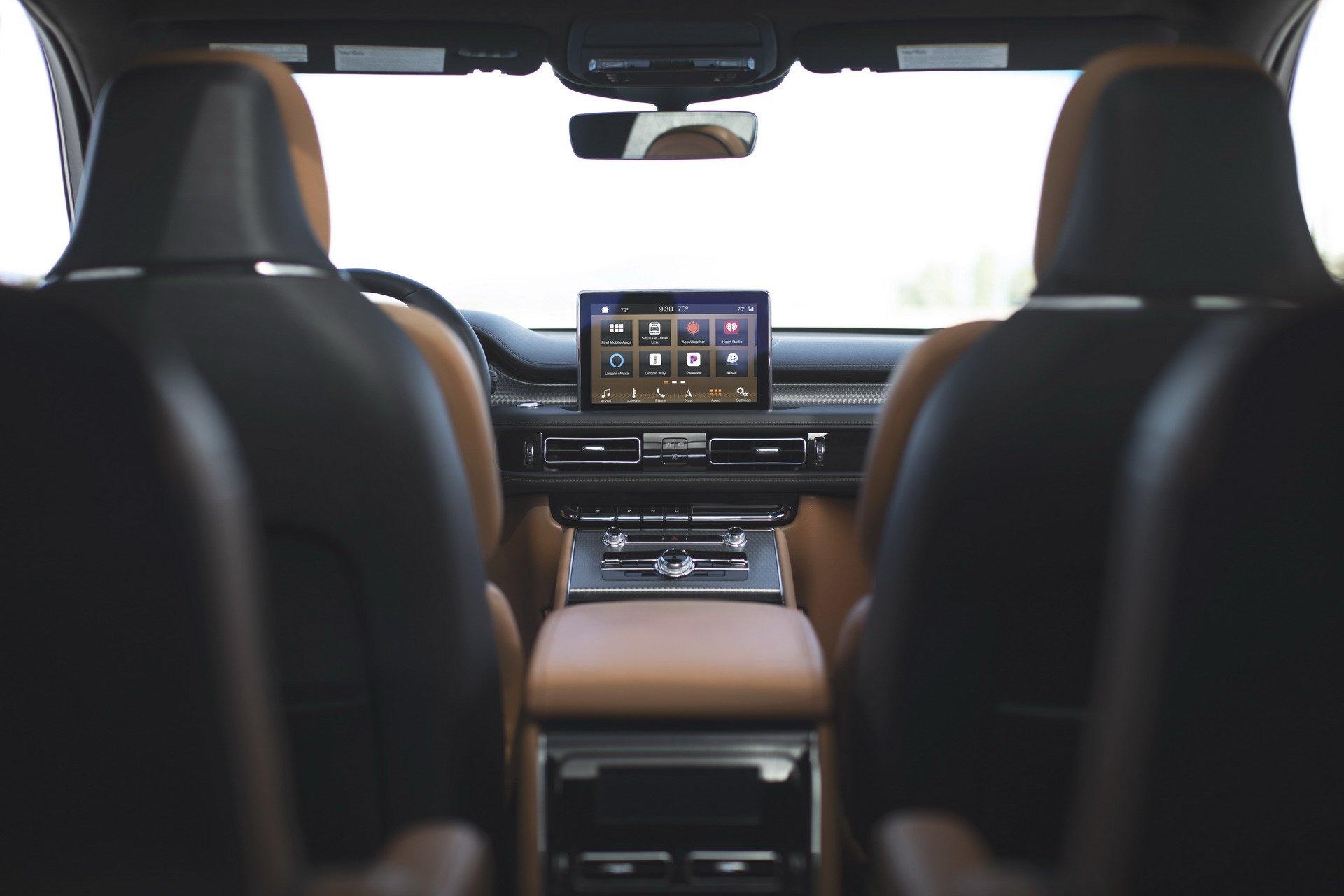 Lincoln Aviator 2019 (21)