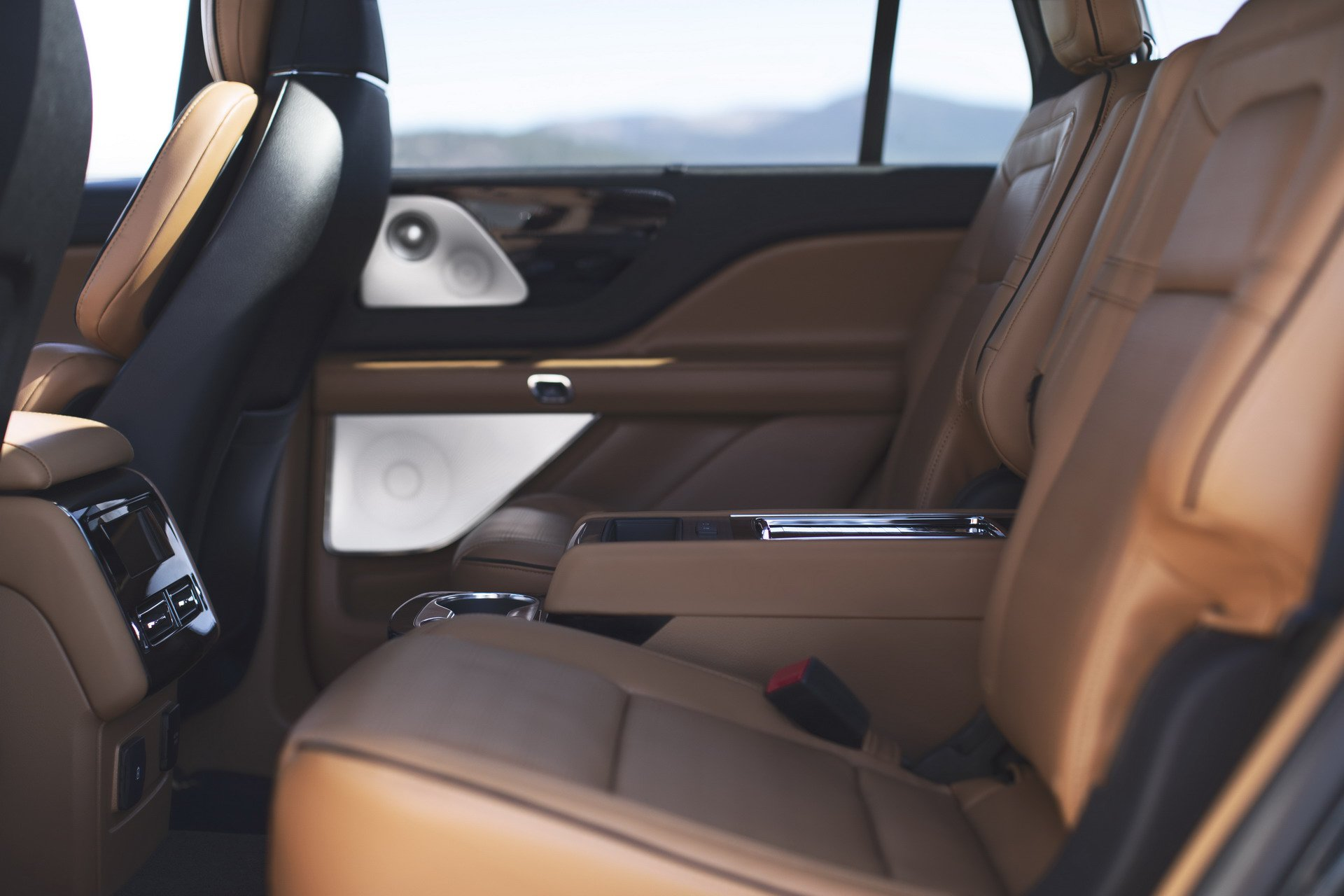 Lincoln Aviator 2019 (23)