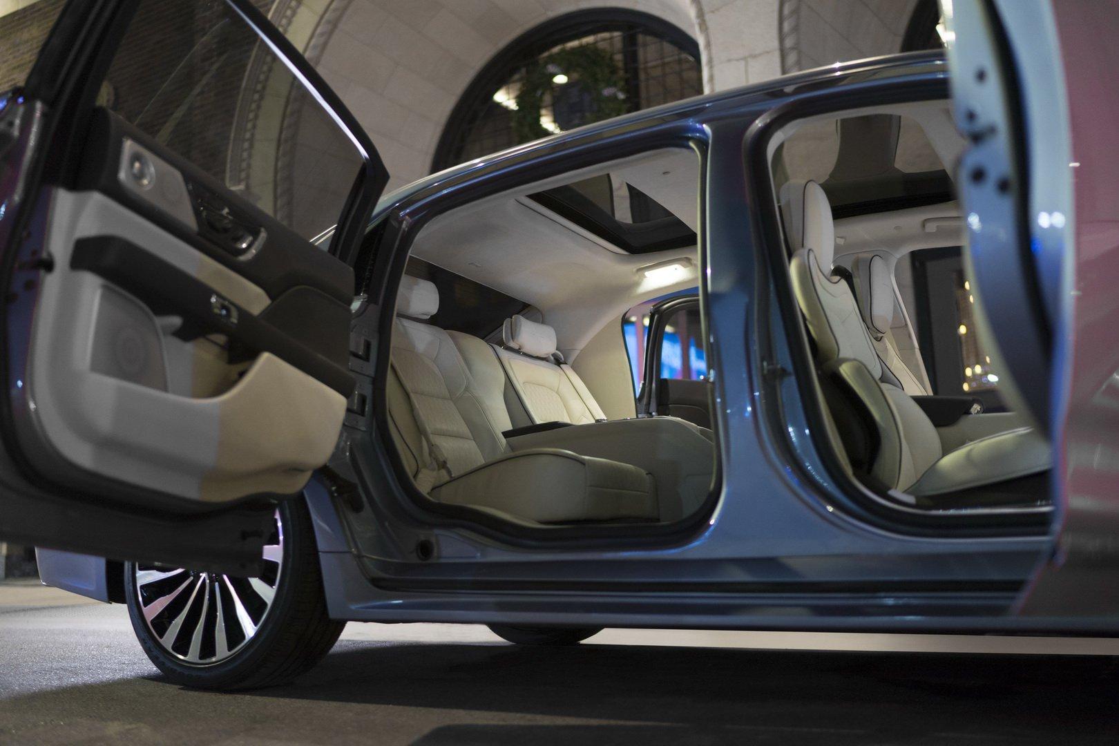 Lincoln Continental Coach Door Edition (10)