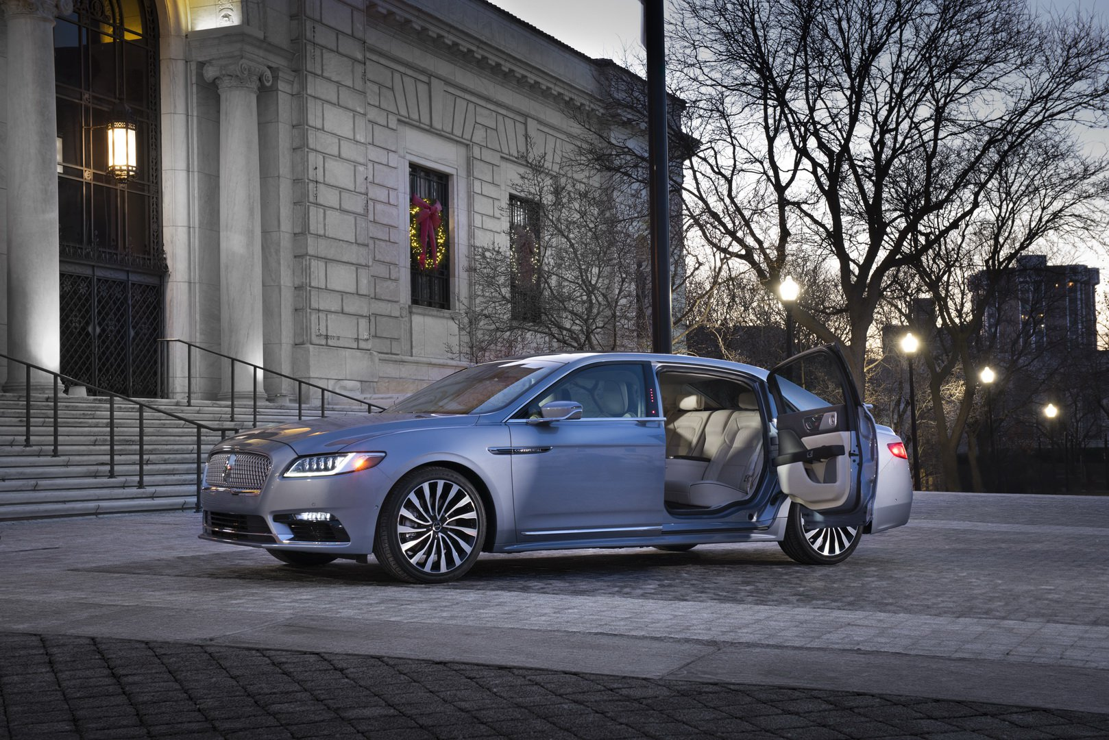 Lincoln Continental Coach Door Edition (14)