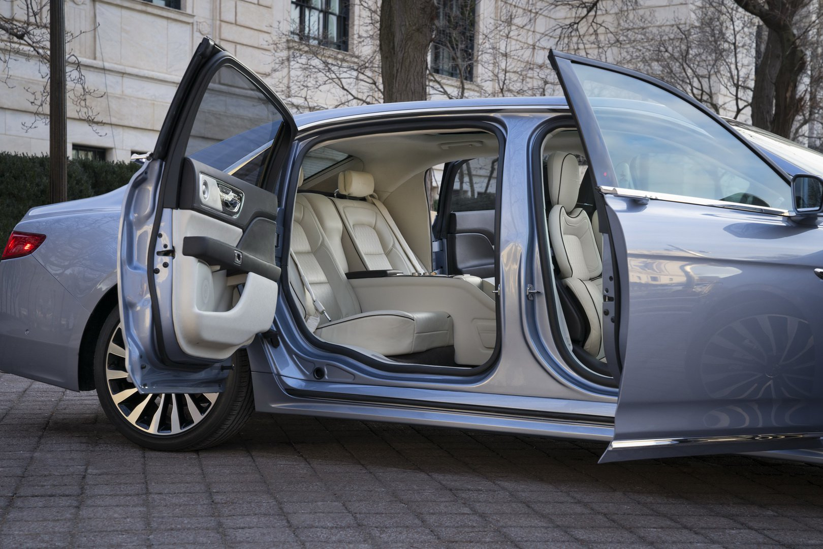 Lincoln Continental Coach Door Edition (15)