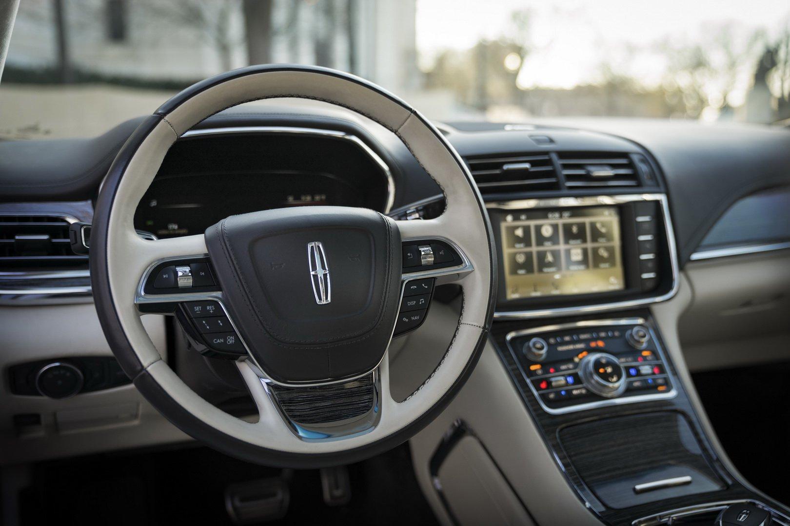 Lincoln Continental Coach Door Edition (17)