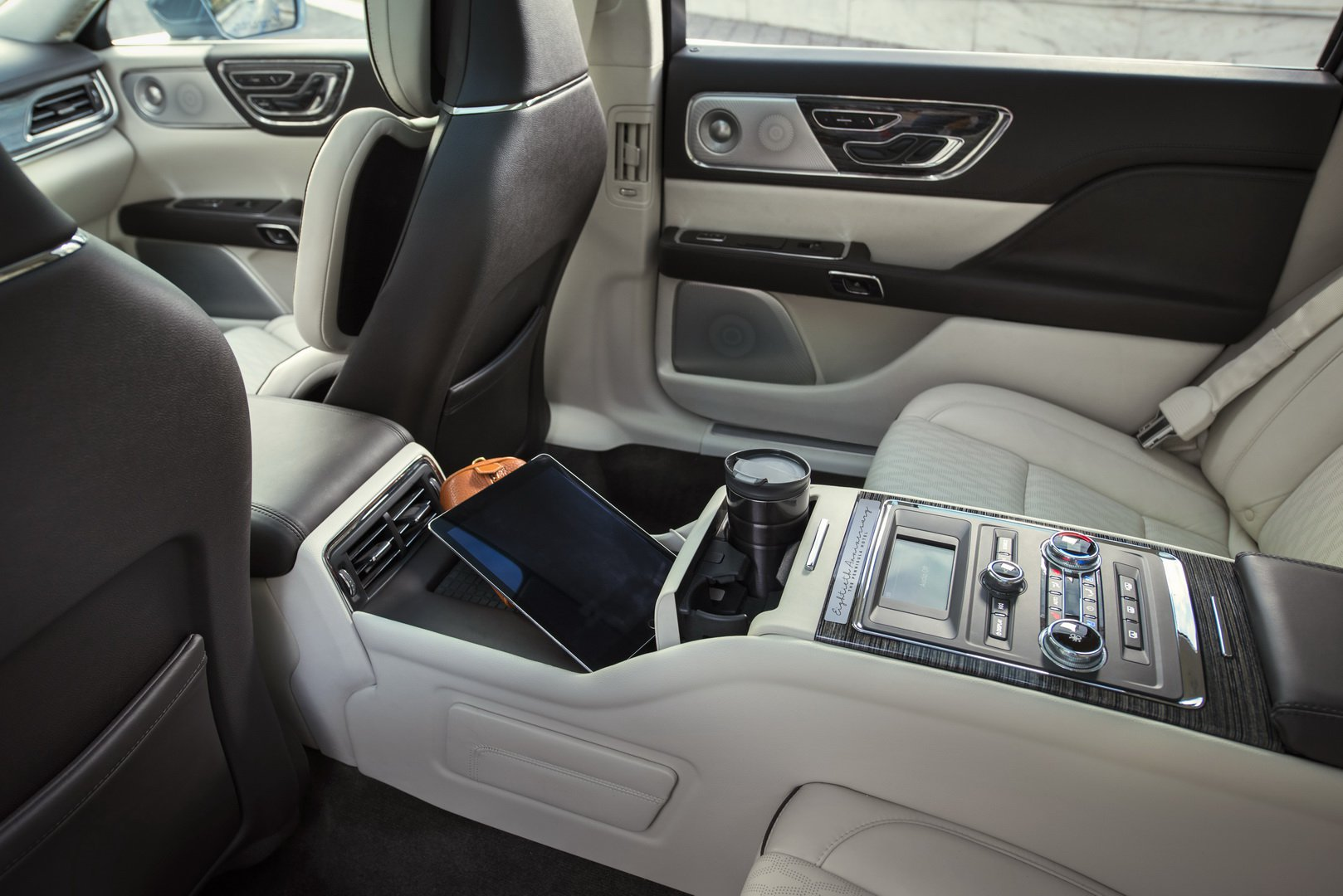 Lincoln Continental Coach Door Edition (18)