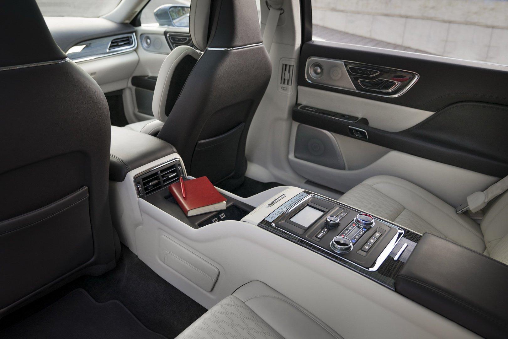 Lincoln Continental Coach Door Edition (19)