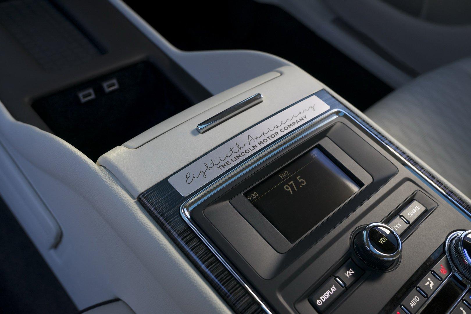 Lincoln Continental Coach Door Edition (20)