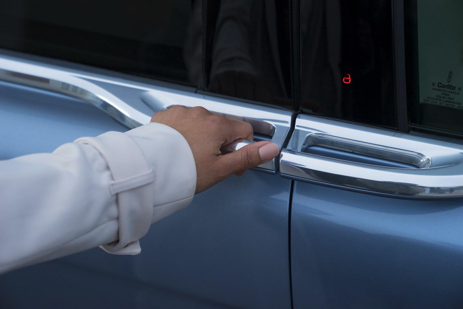 Lincoln Continental Coach Door Edition (27)