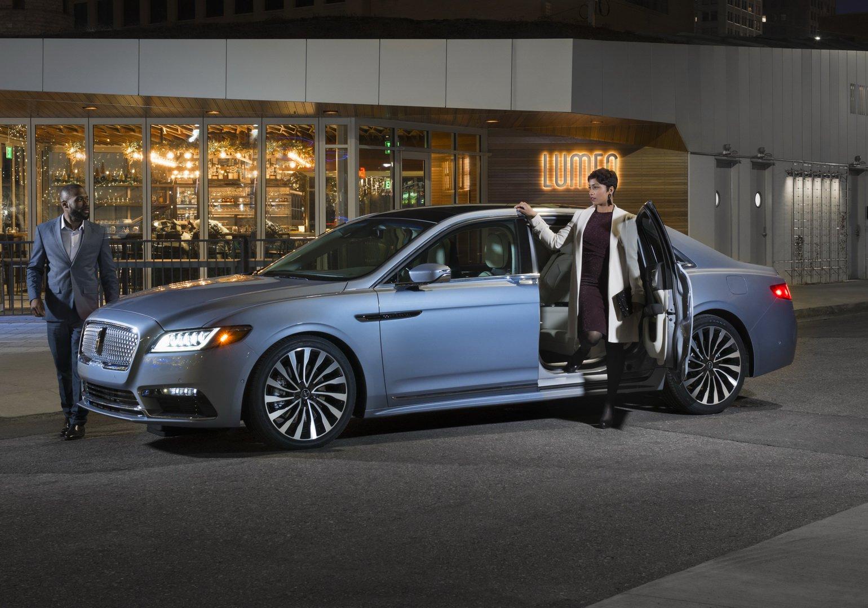 Lincoln Continental Coach Door Edition (30)