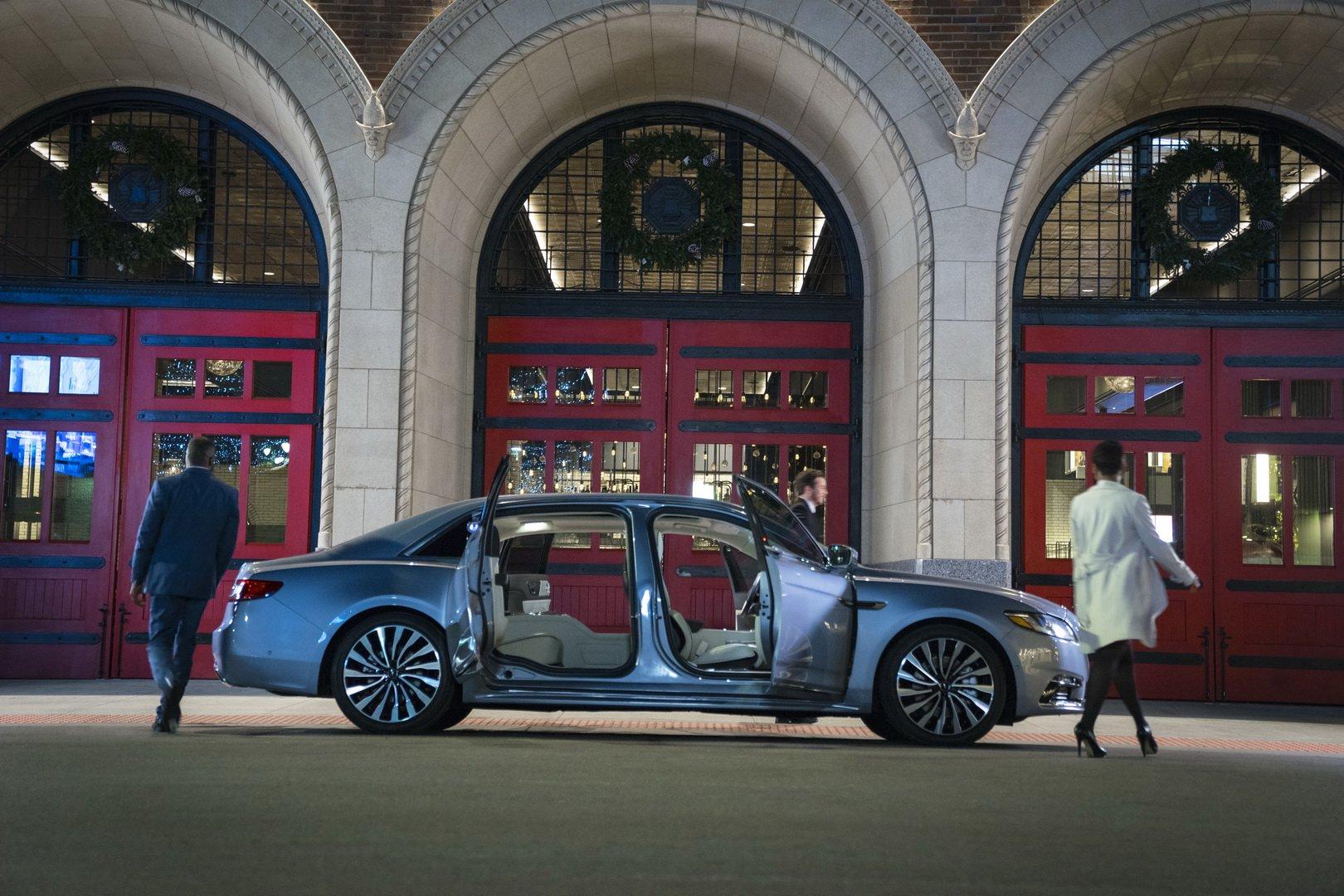 Lincoln Continental Coach Door Edition (5)