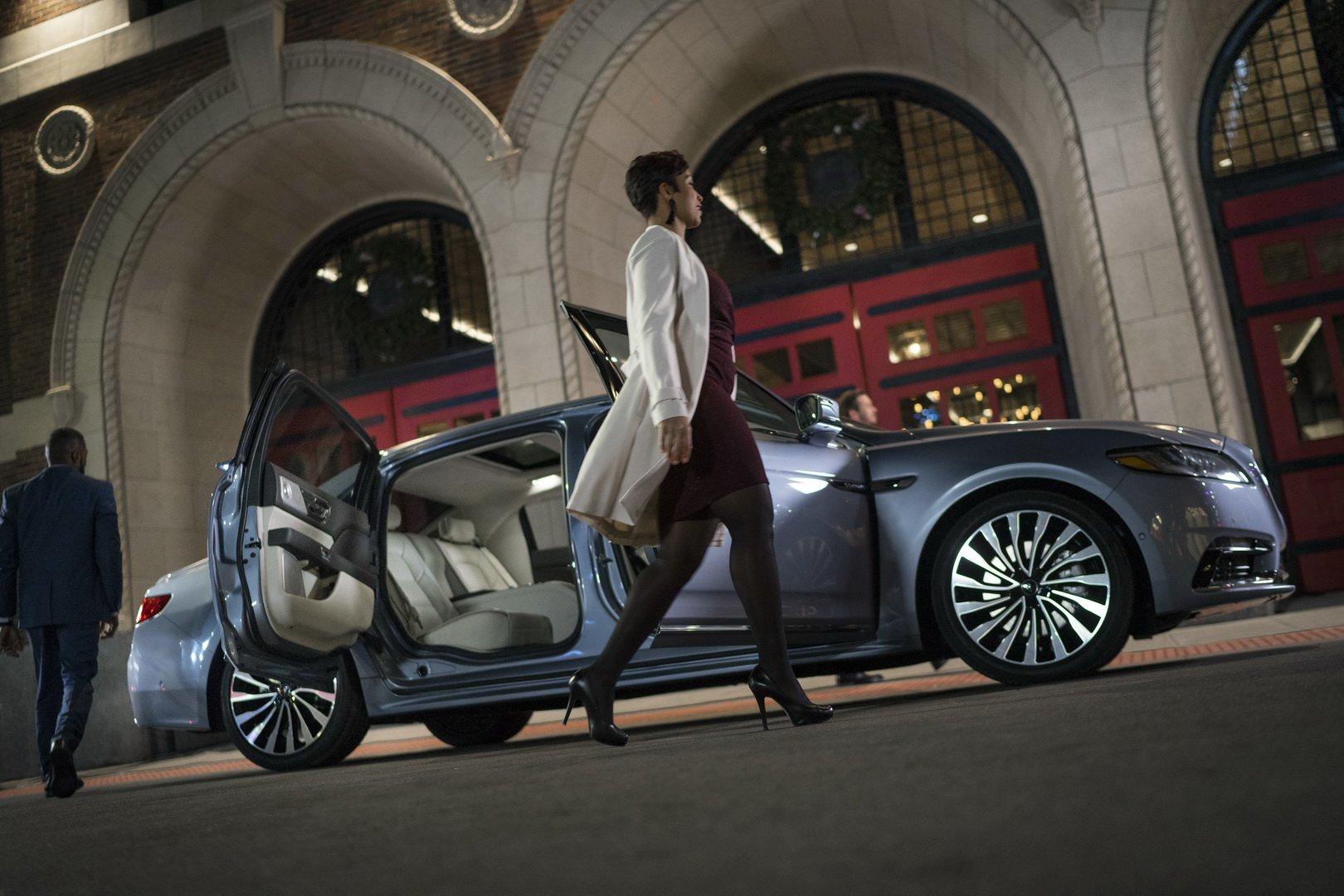 Lincoln Continental Coach Door Edition (8)