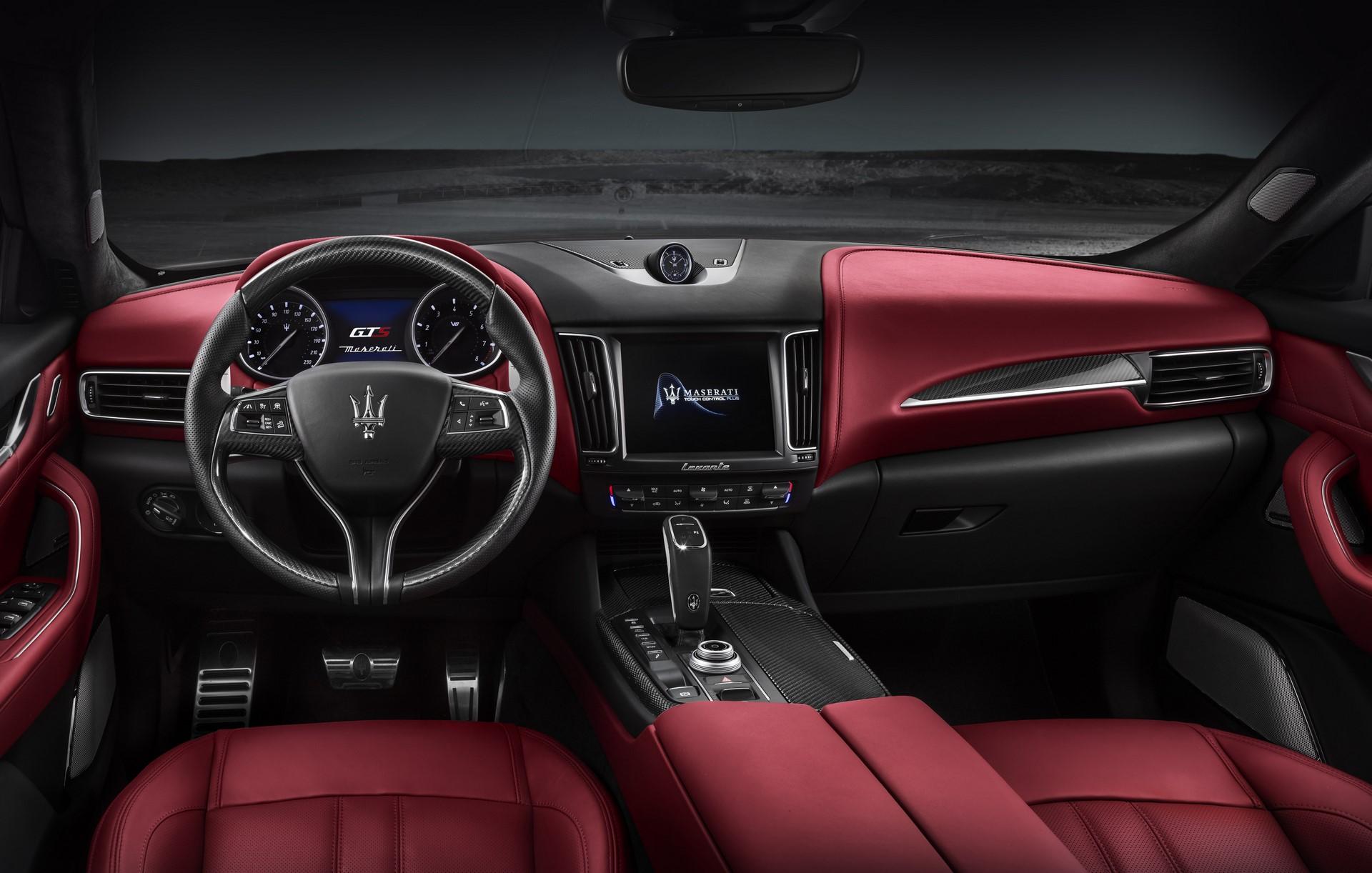 Maserati Levante GTS 2019 (5)
