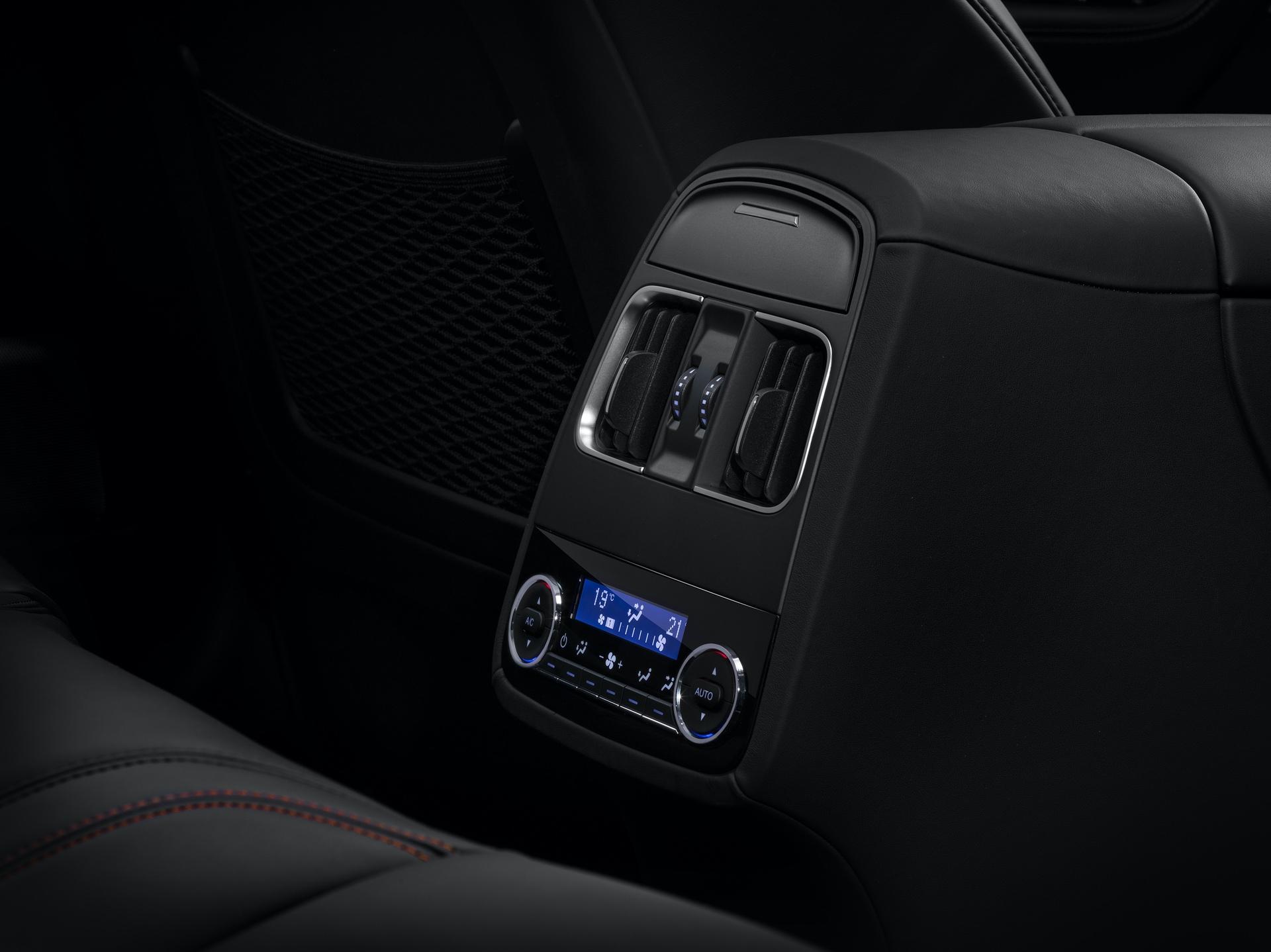 Maserati_Levante_Trofeo_0000