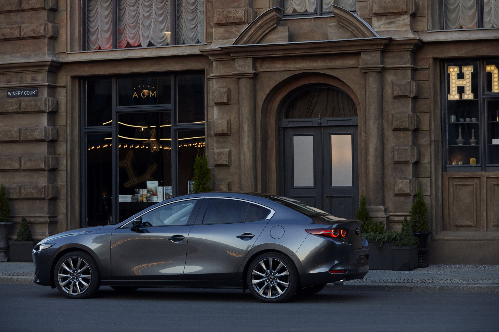 Mazda3 Hatchback and Mazda3 sedan 2019 (19)