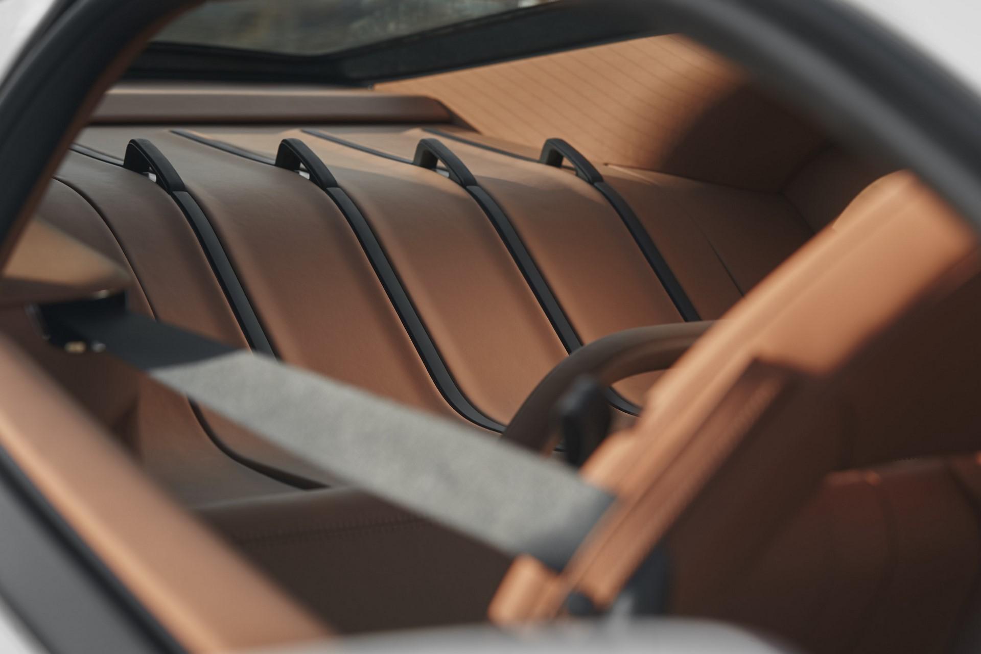 McLaren 570GT By McLaren Designer interior_tan (2)