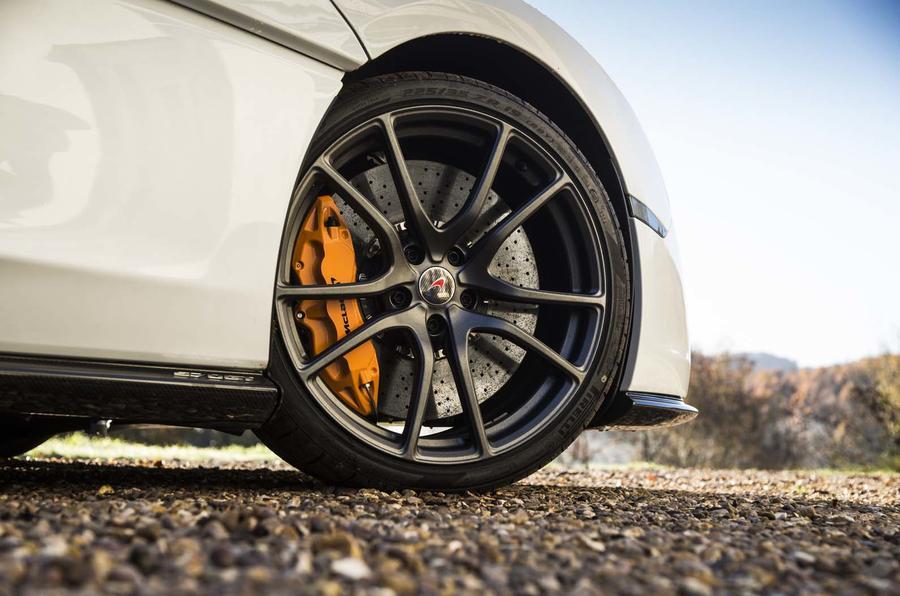 McLaren 570GT Sport Pack (3)