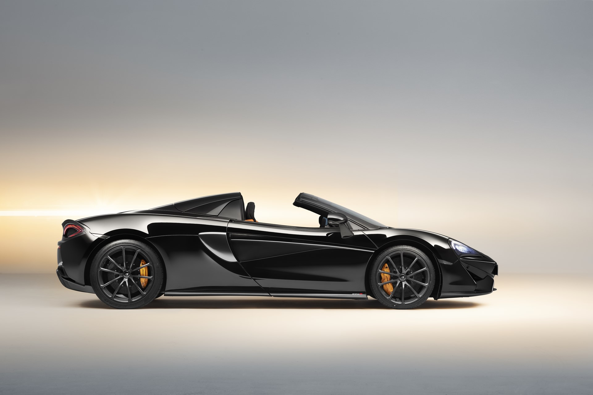 McLaren 570S Spider Design Edition (3)