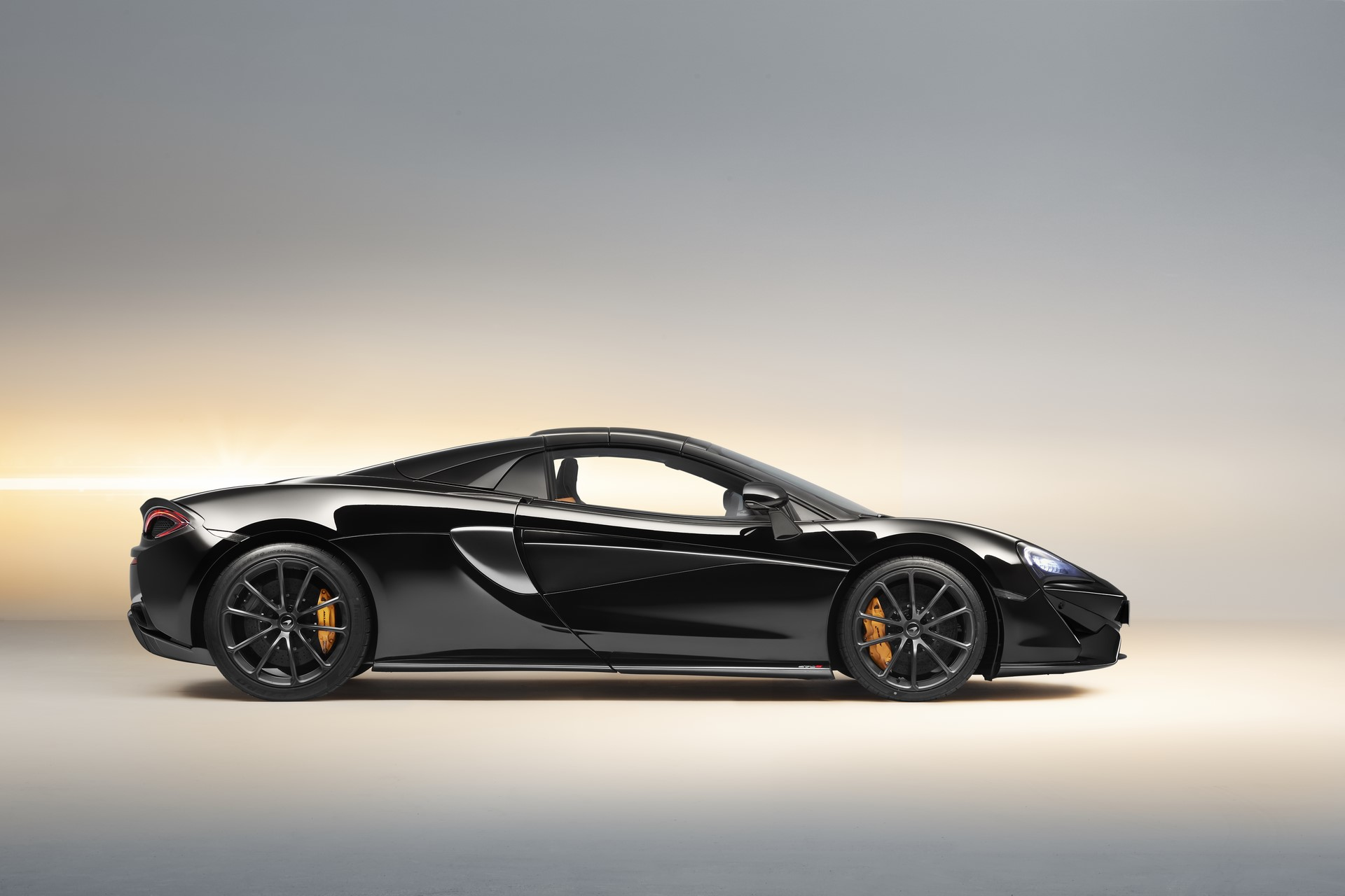 McLaren 570S Spider Design Edition (4)