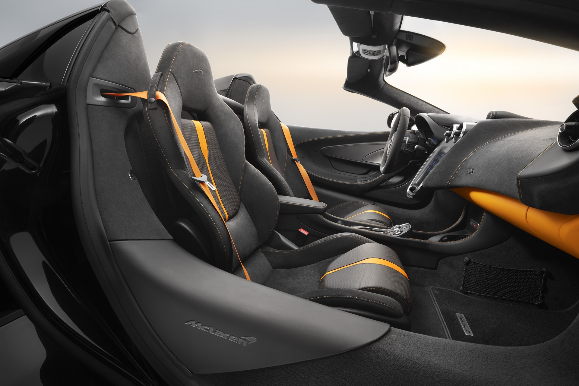 McLaren 570S Spider Design Edition (7)