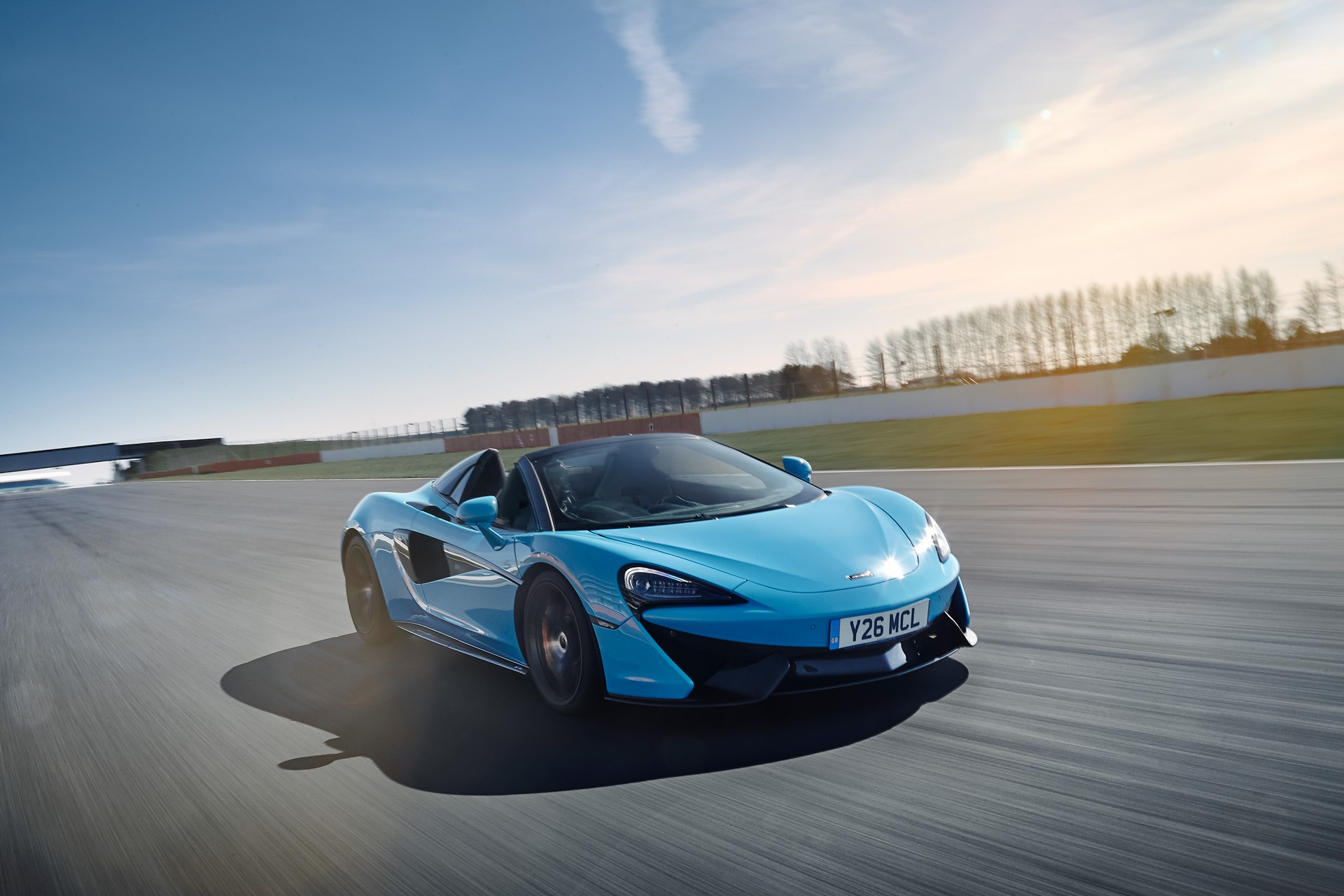 Pure McLaren Silverstone March 2018 World Copyright: Patrick Gosling / Beadyeye Ref: Pure McLaren Silverstone-March2018-5213.CR2