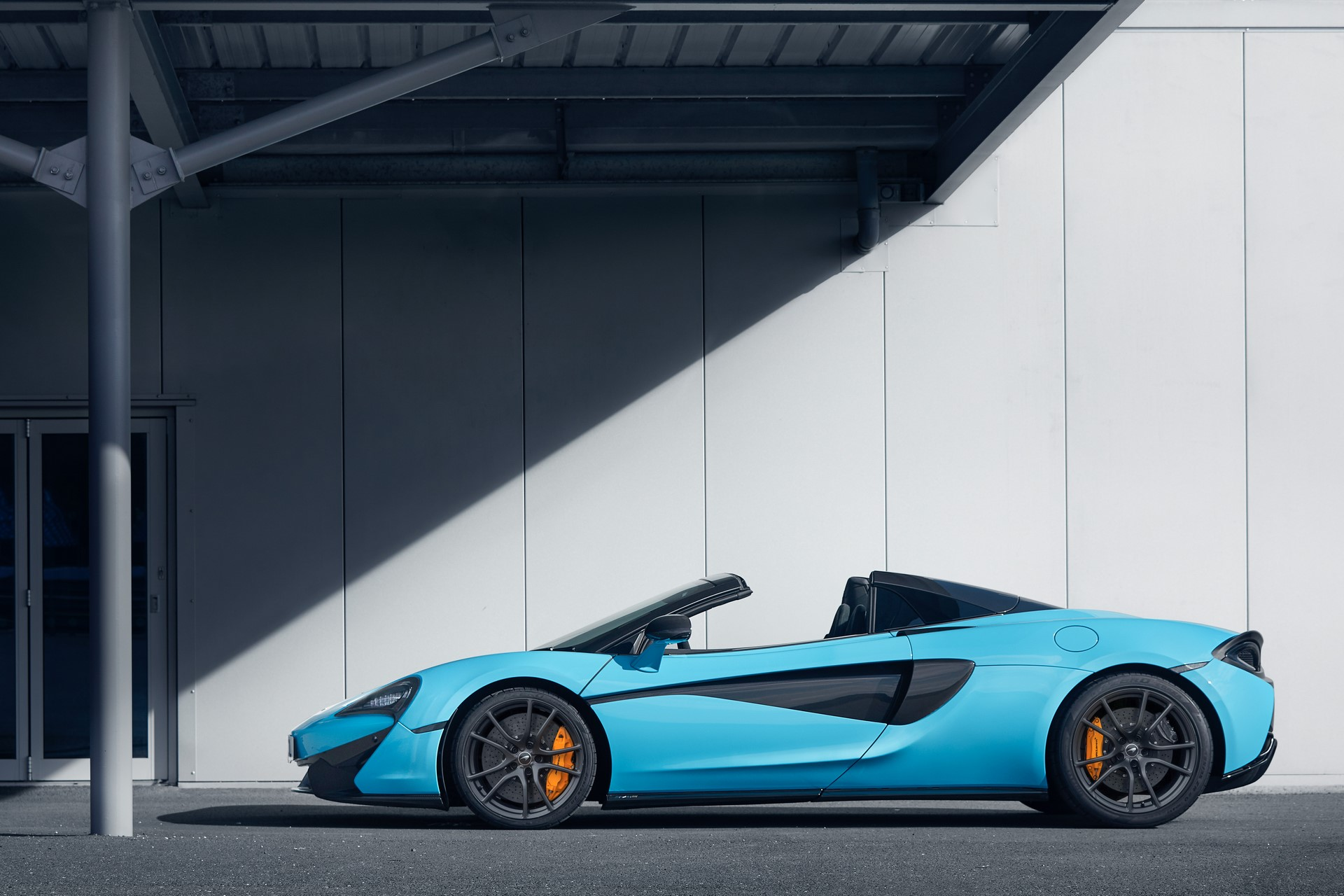Pure McLaren Silverstone March 2018 World Copyright: Patrick Gosling / Beadyeye Ref: Pure McLaren Silverstone-March2018-7142.CR2