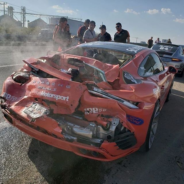 McLaren 650S And Porsche 911 Turbo S crashed (3)