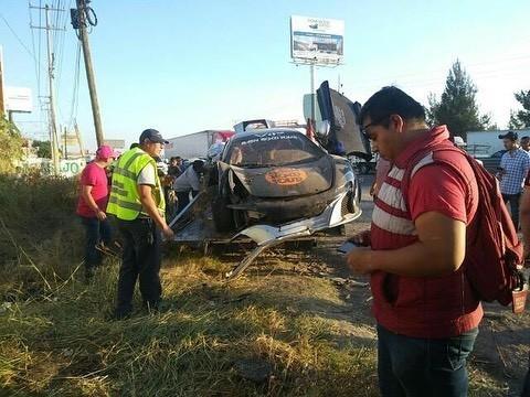 McLaren 650S And Porsche 911 Turbo S crashed (6)