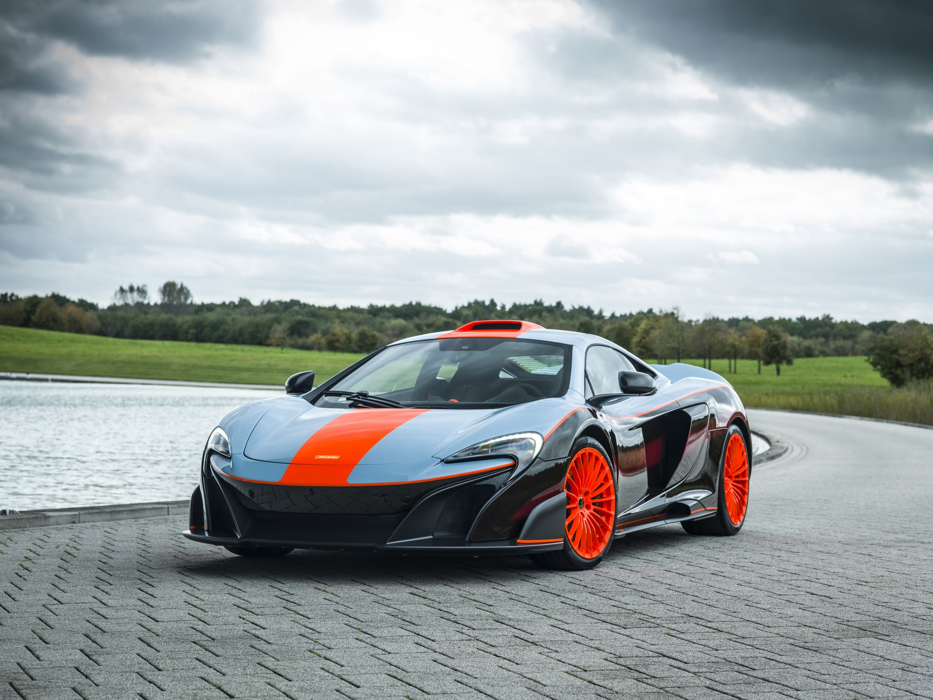 MSO Gulf Racing theme McLaren 675LT_01_exterior resized_GF Williams