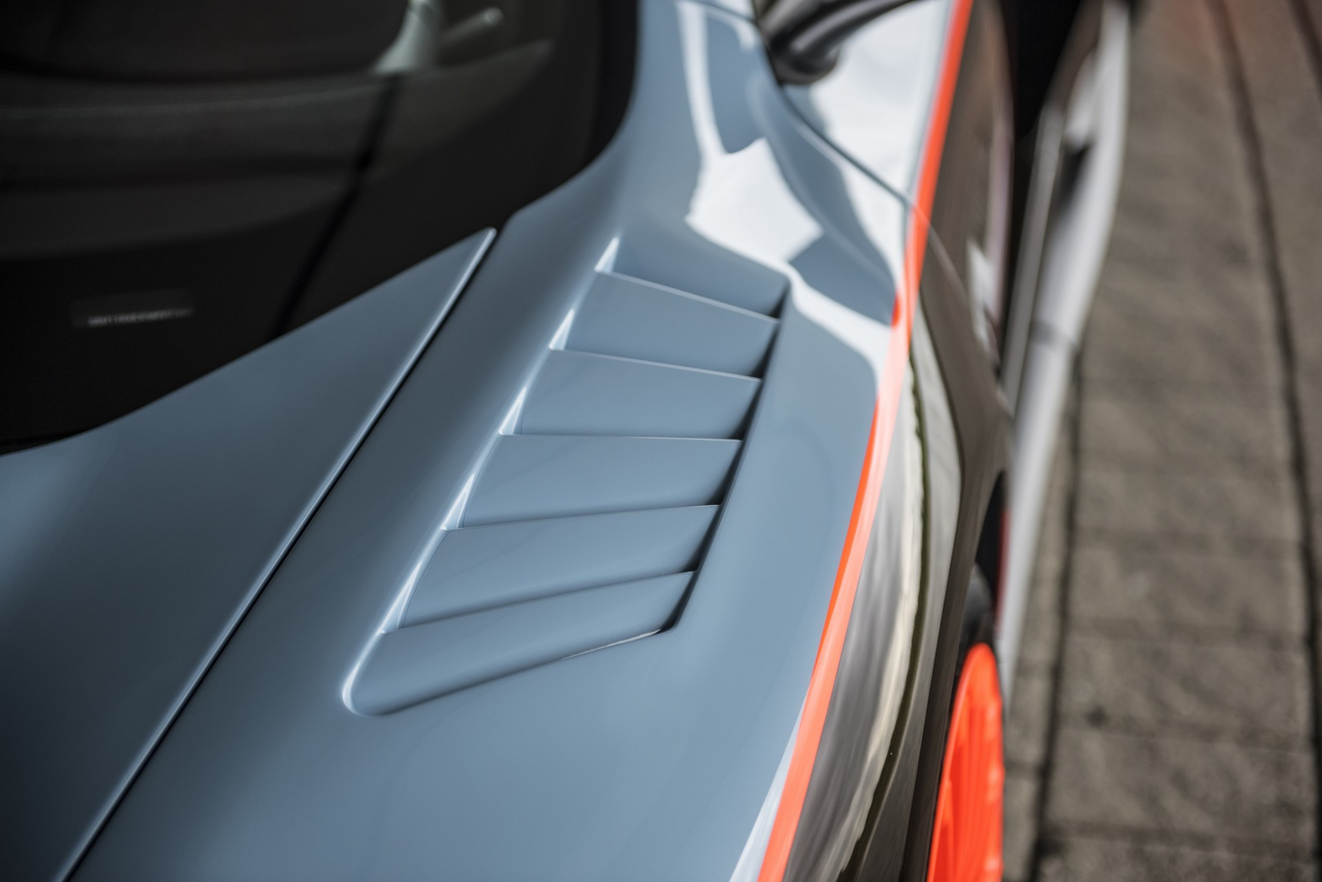 MSO Gulf Racing theme McLaren 675LT_06_louvered wing resized_GF Williams