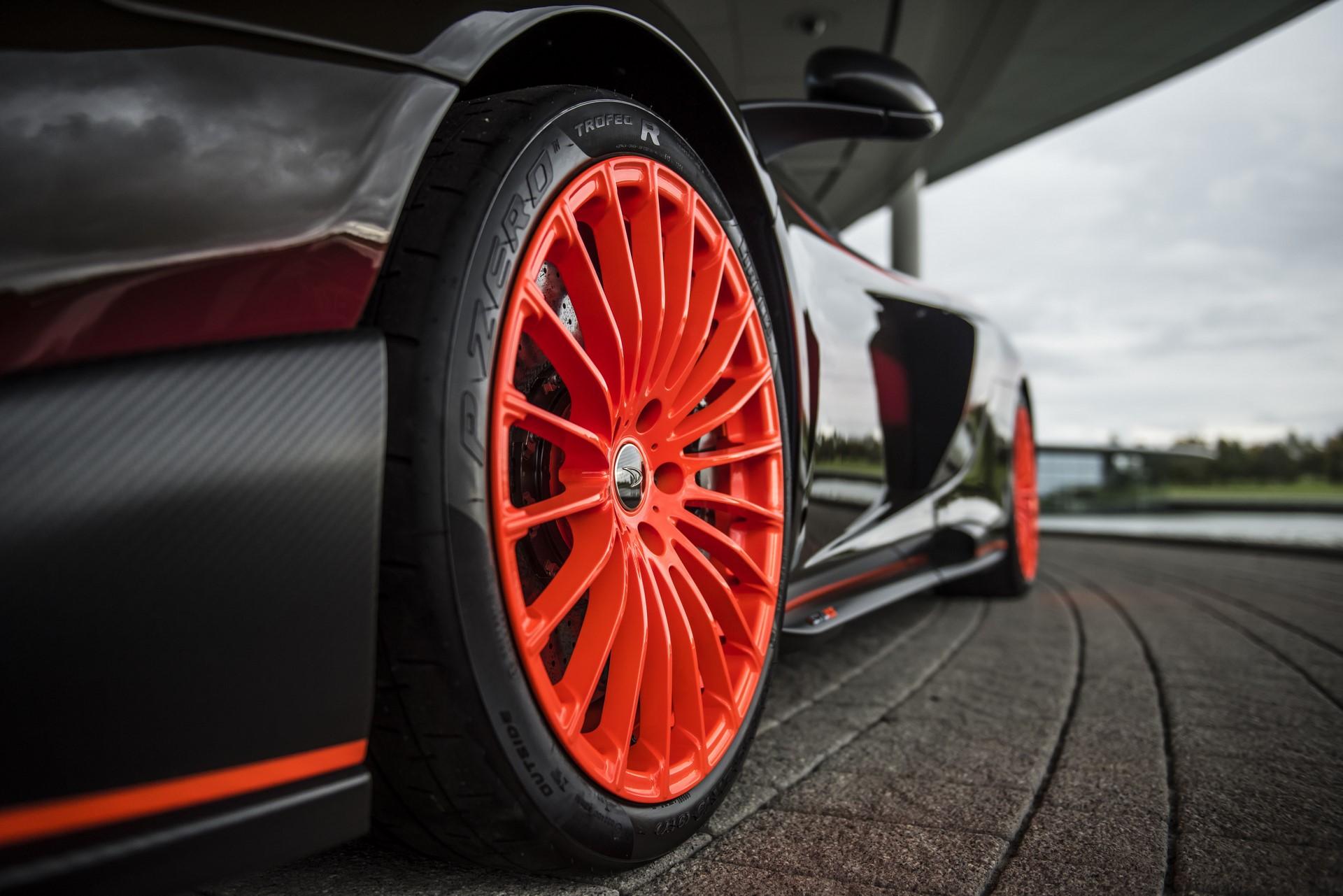 MSO Gulf Racing theme McLaren 675LT_07_orange wheel - resized_GF Williams