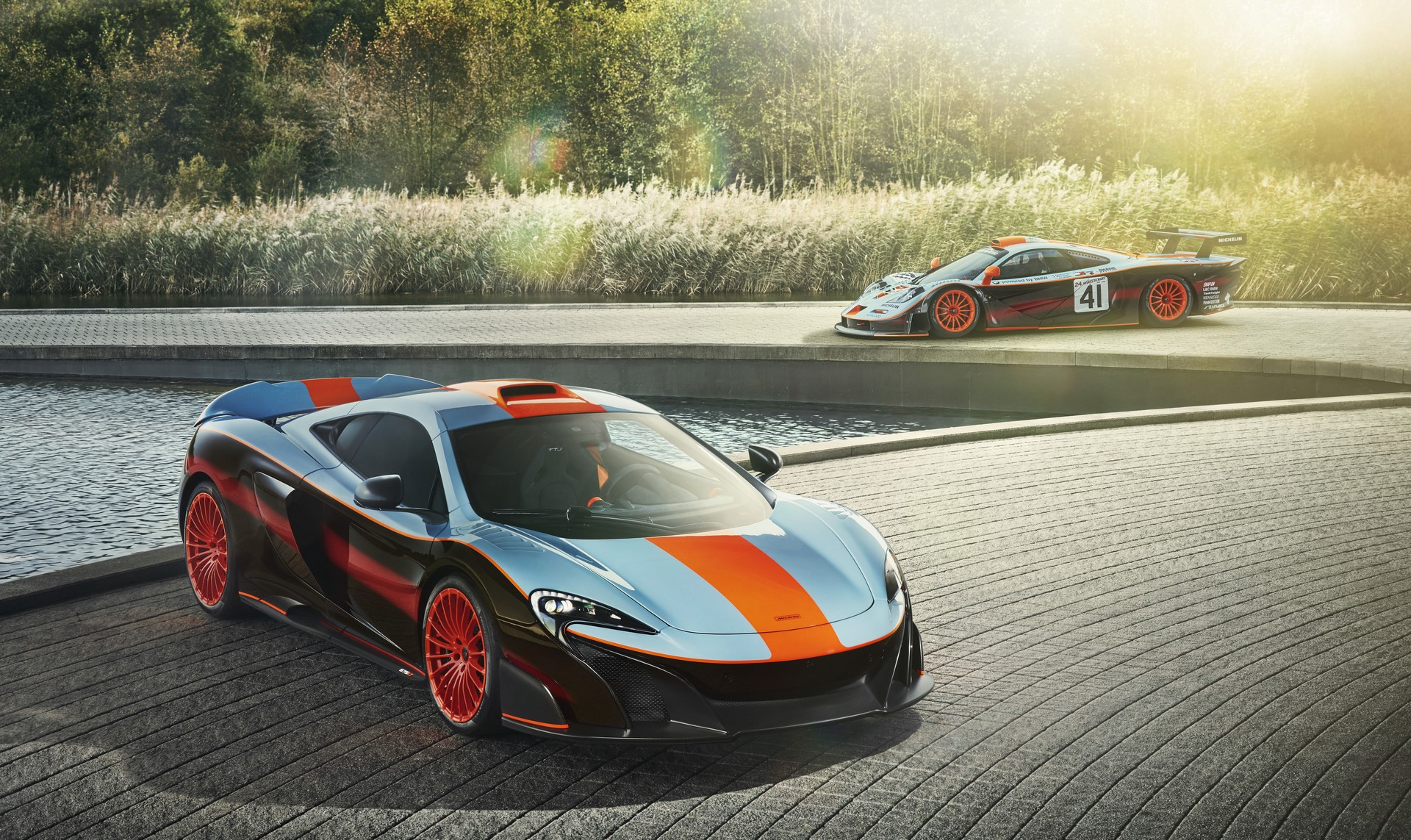 McLaren_MSO-Gulf Racing 675LT with 1997 F1 GTR Longtail