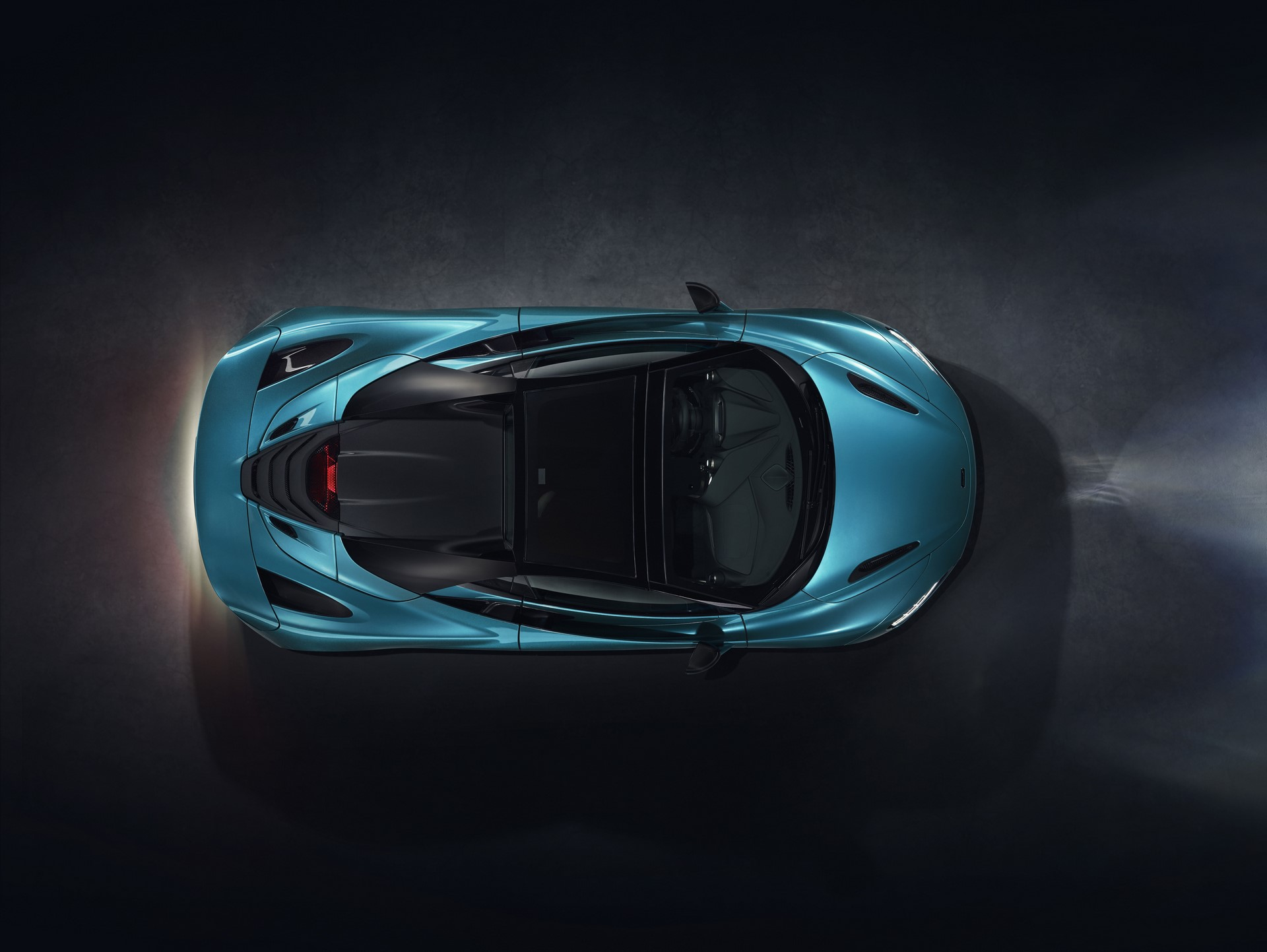 McLaren 720S Spider_Dec 2018_studio image 07