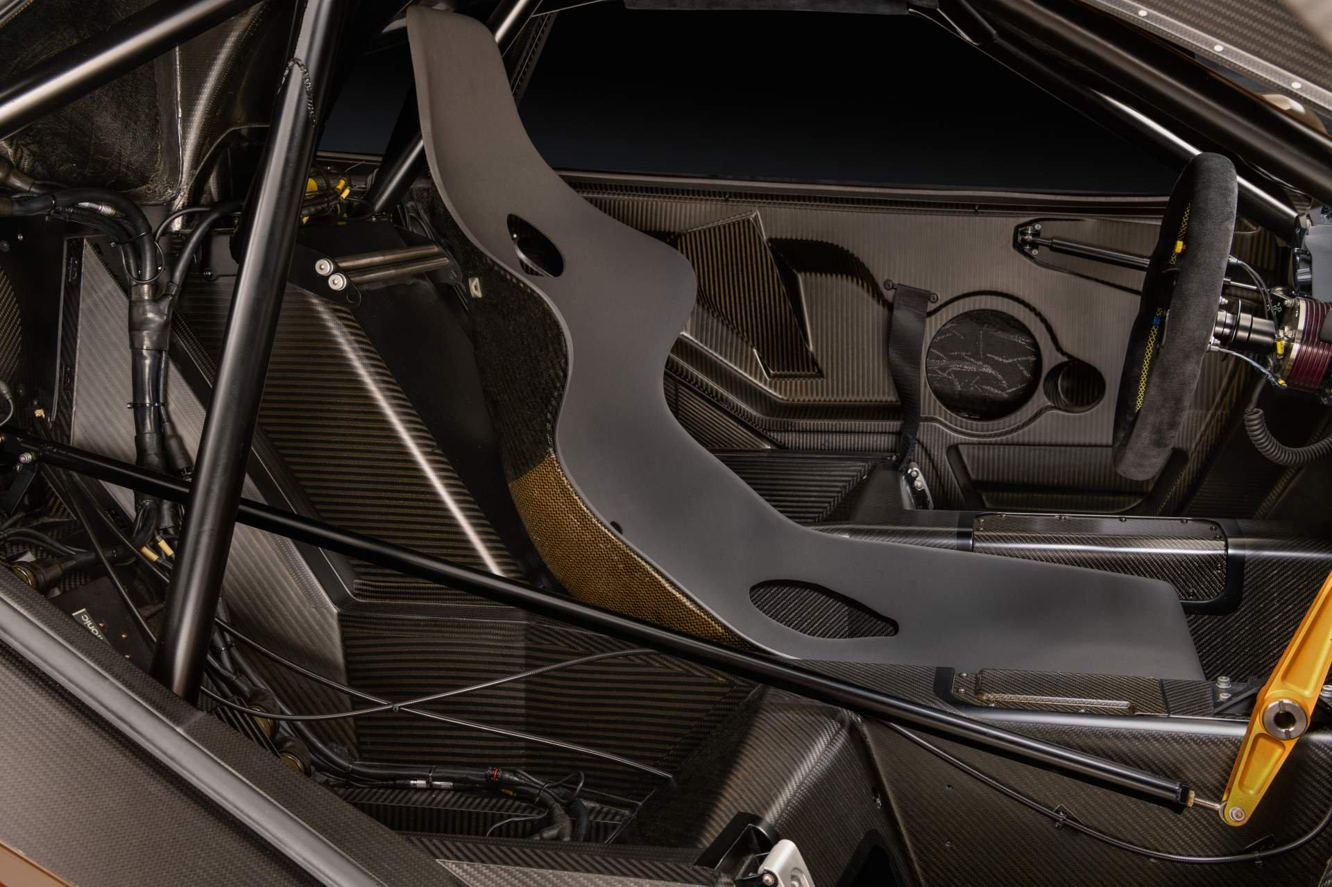 McLaren F1 GTR Longtail 25R restored by MSO (12)