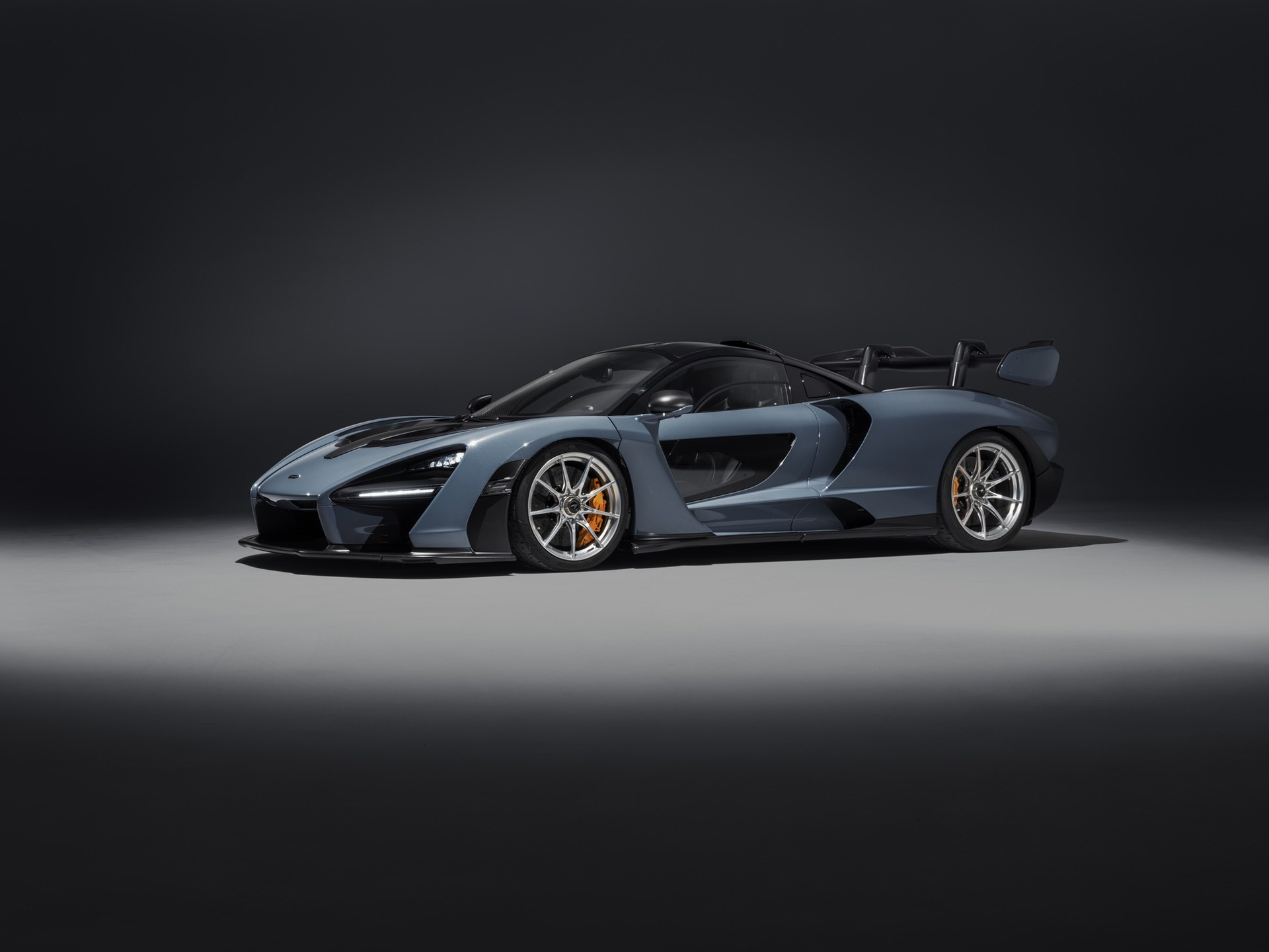 2018_McLaren_Senna_0008