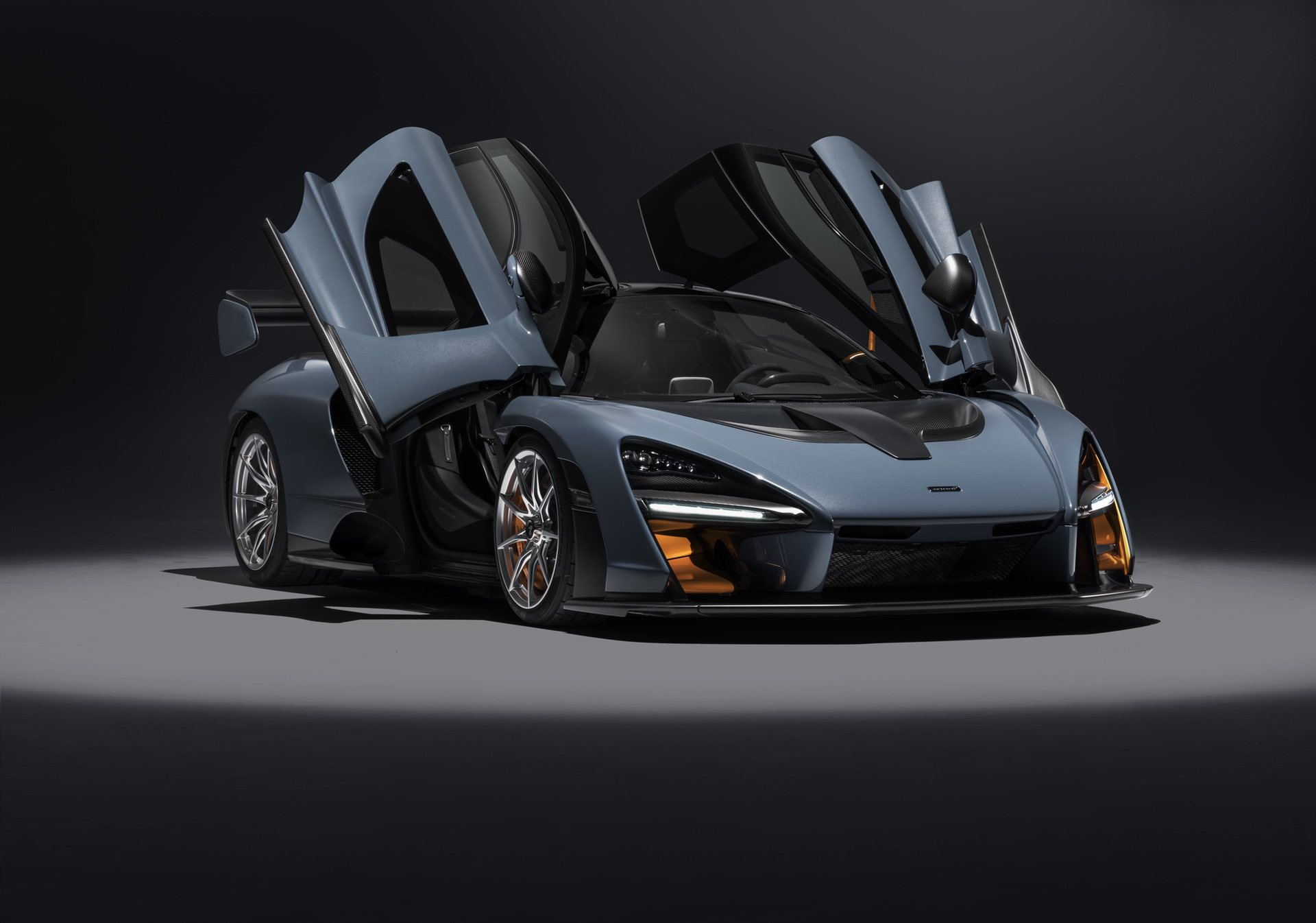 2018_McLaren_Senna_0012