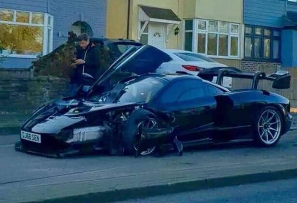 McLaren Senna crash (2)