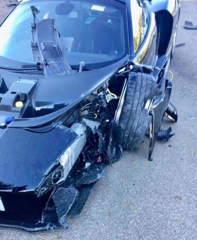 McLaren Senna crash (4)