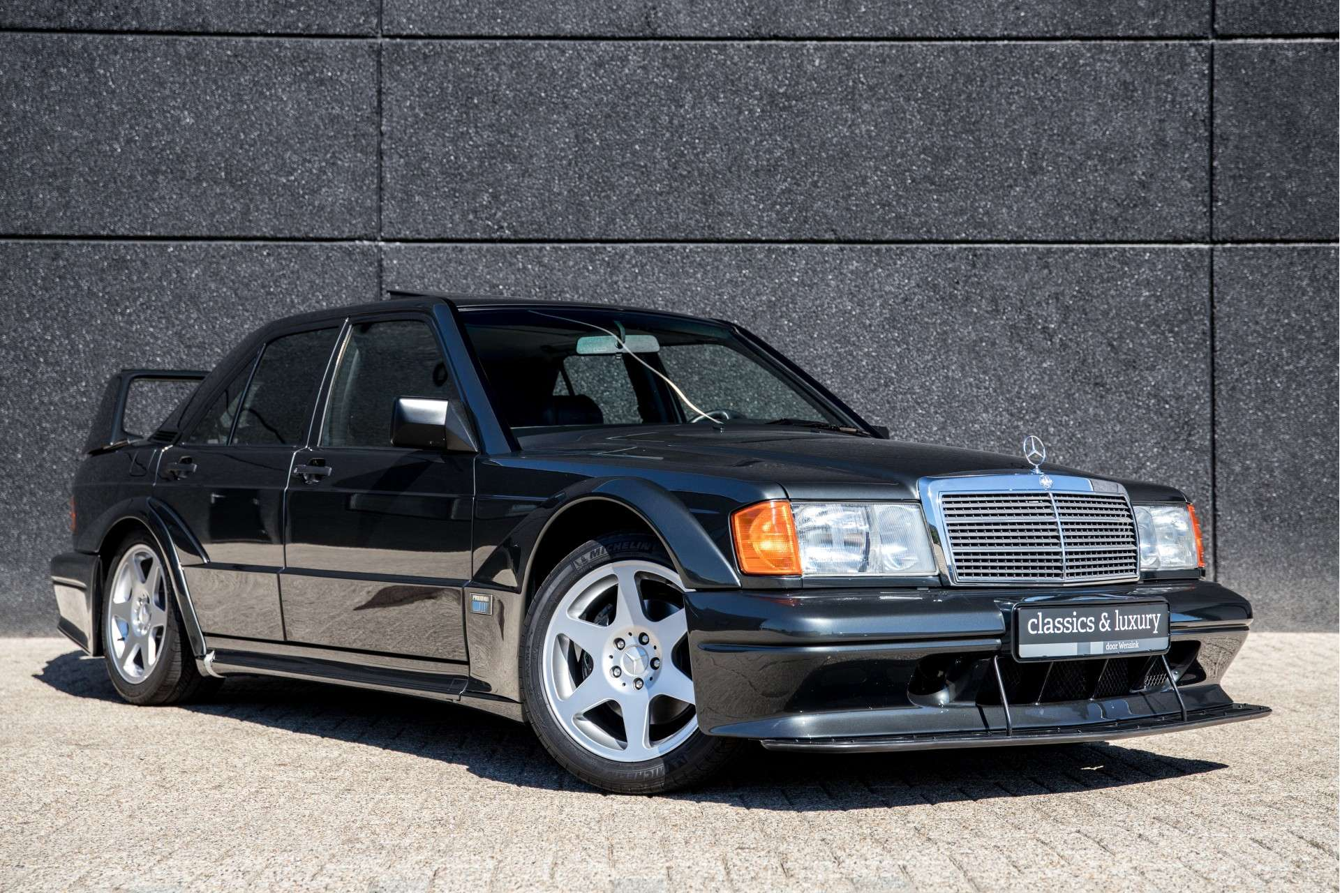 Mercedes_190_E_2.5-16_Evolution II_sale_03