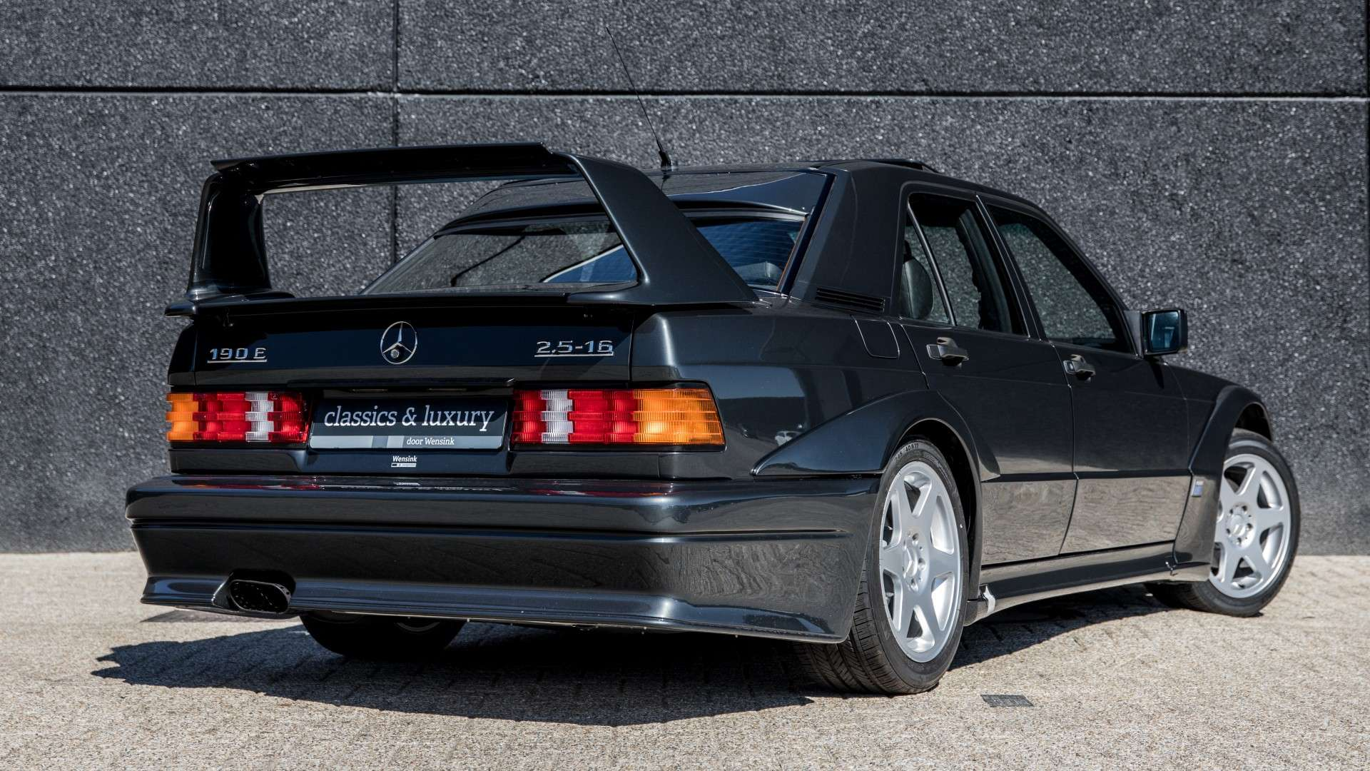 Mercedes_190_E_2.5-16_Evolution II_sale_05