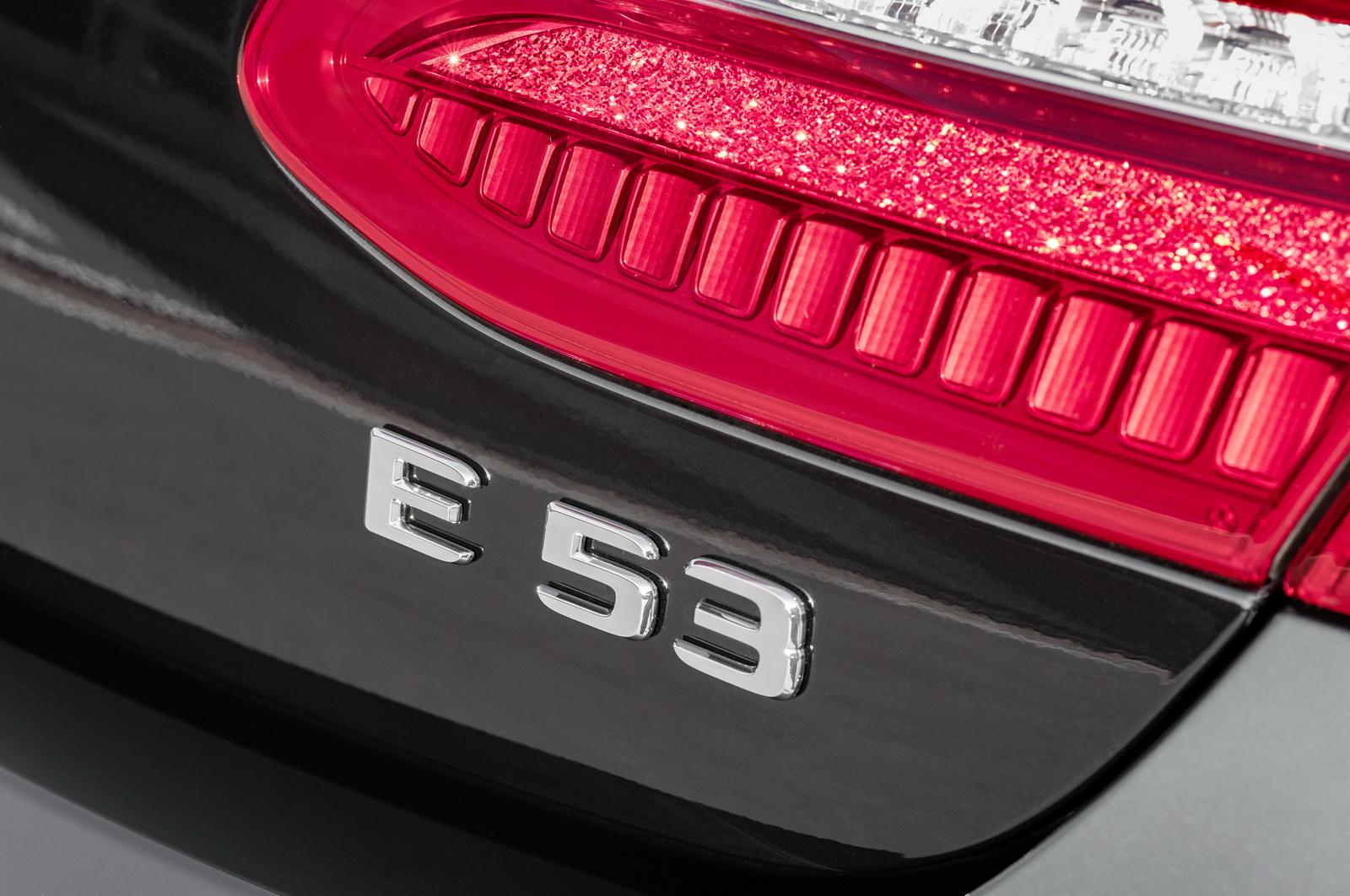Mercedes-AMG E 53 4MATIC+ CoupéExterieur: Obsidianschwarz metallic // Exterior: Obsidian black metallic(Kraftstoffverbrauch kombiniert: 8,4 l/100 km; CO2-Emissionen kombiniert: 200 g/km)(fuel consumption combined: 8.4 l/100 km; CO2 emissions combined: 200 g/km)